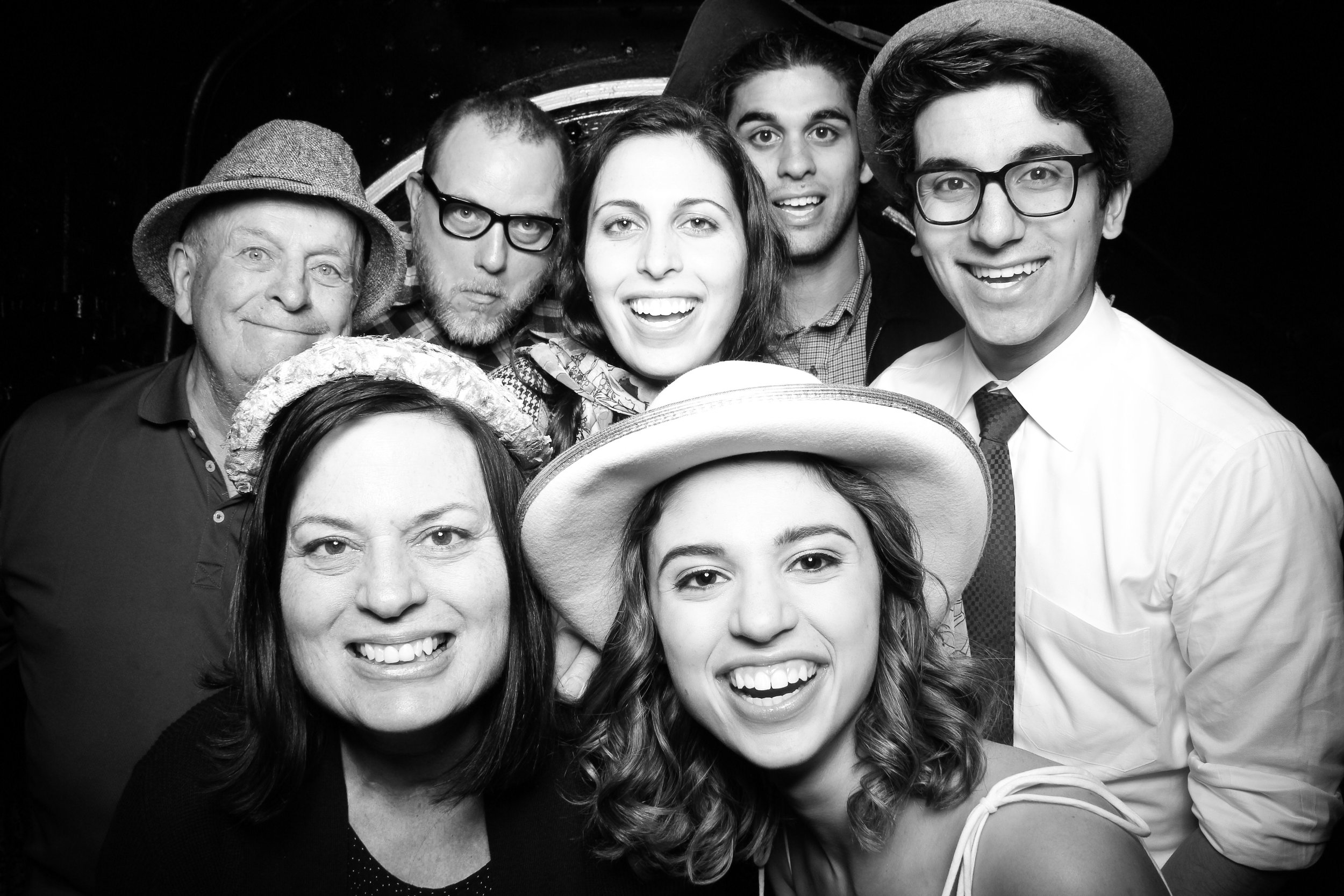 Chicago_Vintage_Wedding_Photobooth_Hyde_Park_19.jpg