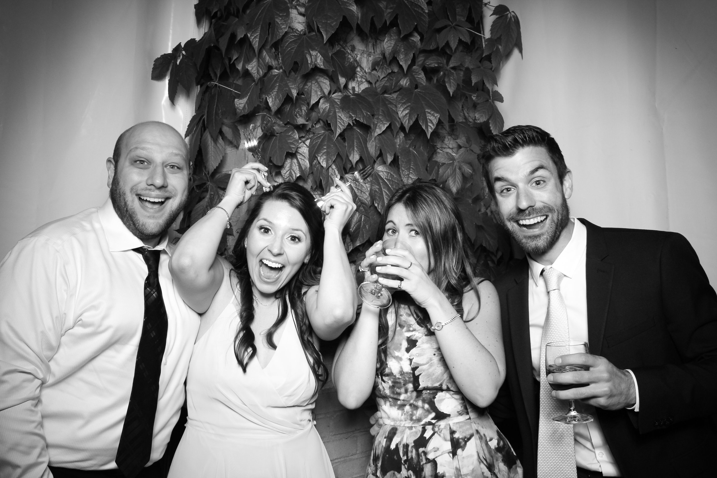 Chicago_Vintage_Wedding_Photobooth_Botanic_Garden_03.jpg