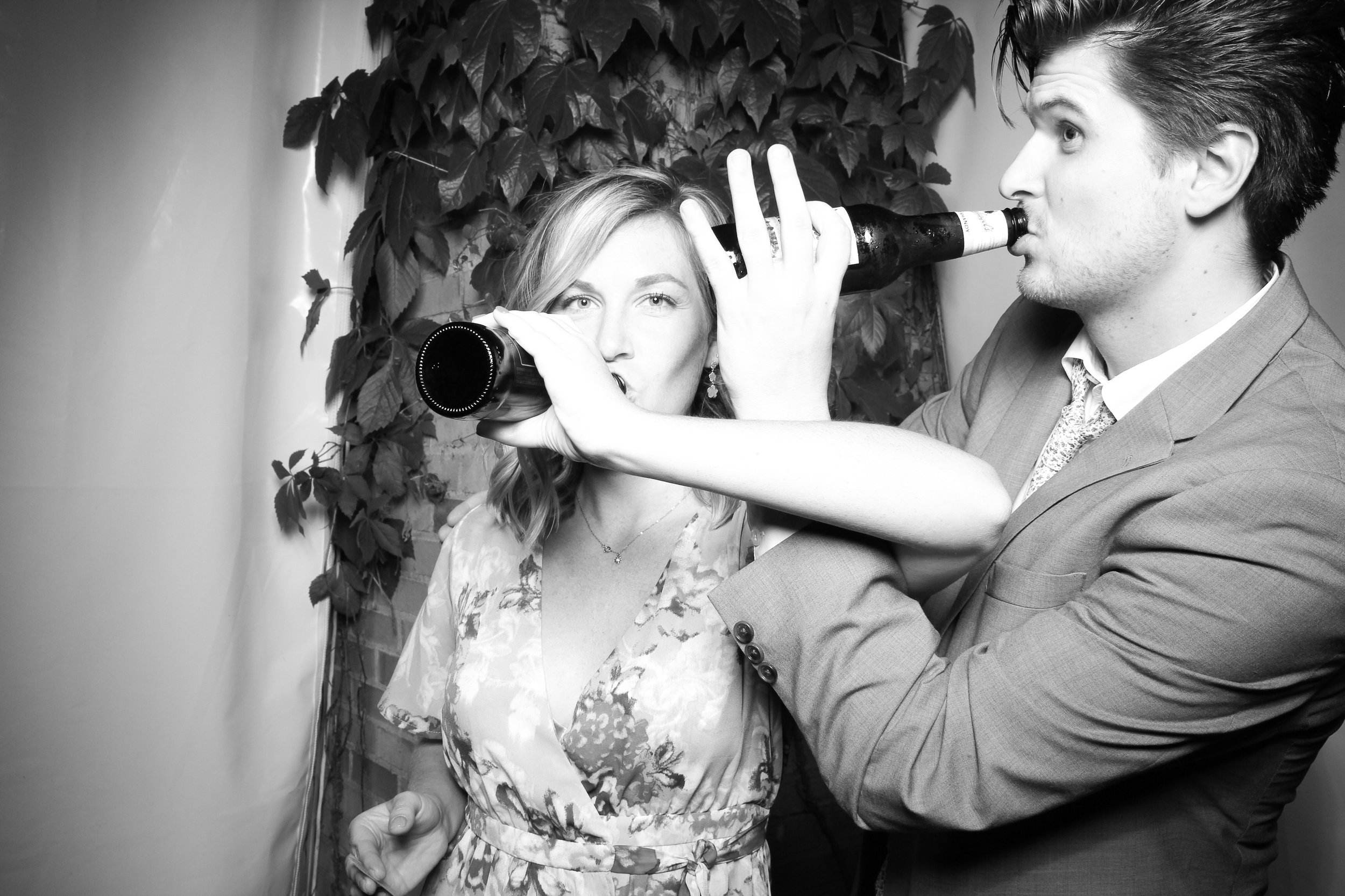 Chicago_Vintage_Wedding_Photobooth_Botanic_Garden_07.jpg