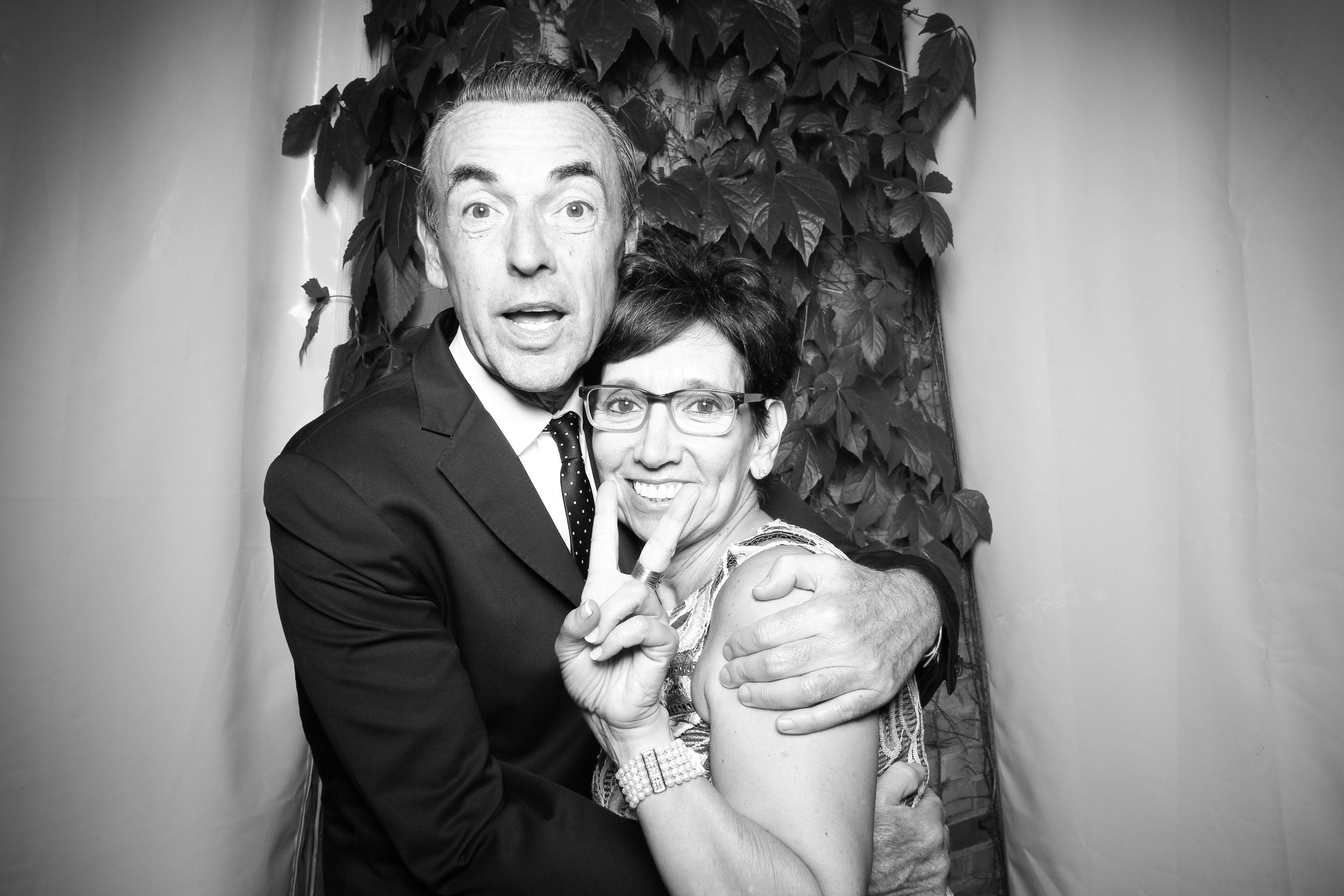 Chicago_Vintage_Wedding_Photobooth_Botanic_Garden_08.jpg