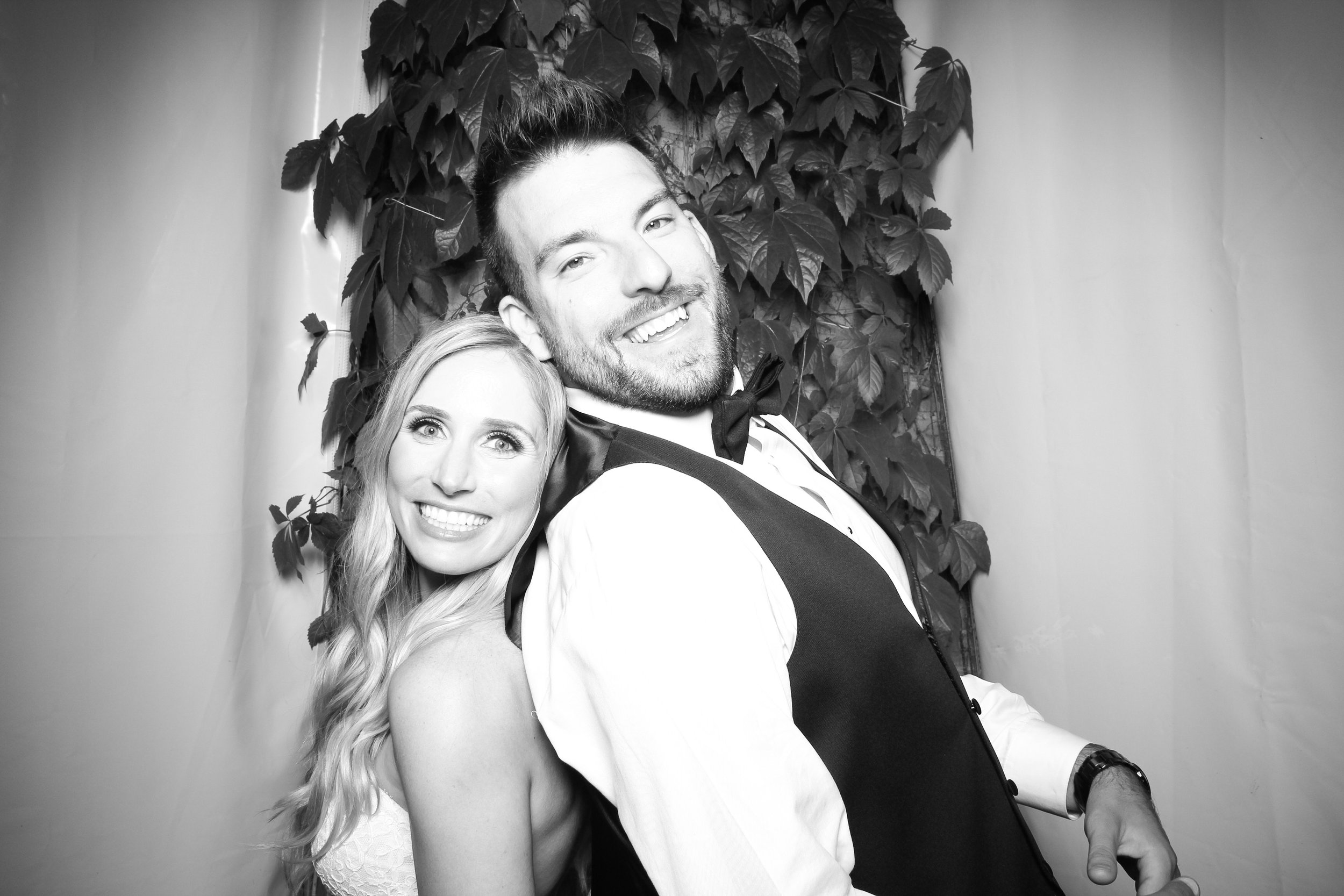 Chicago_Vintage_Wedding_Photobooth_Botanic_Garden_16.jpg