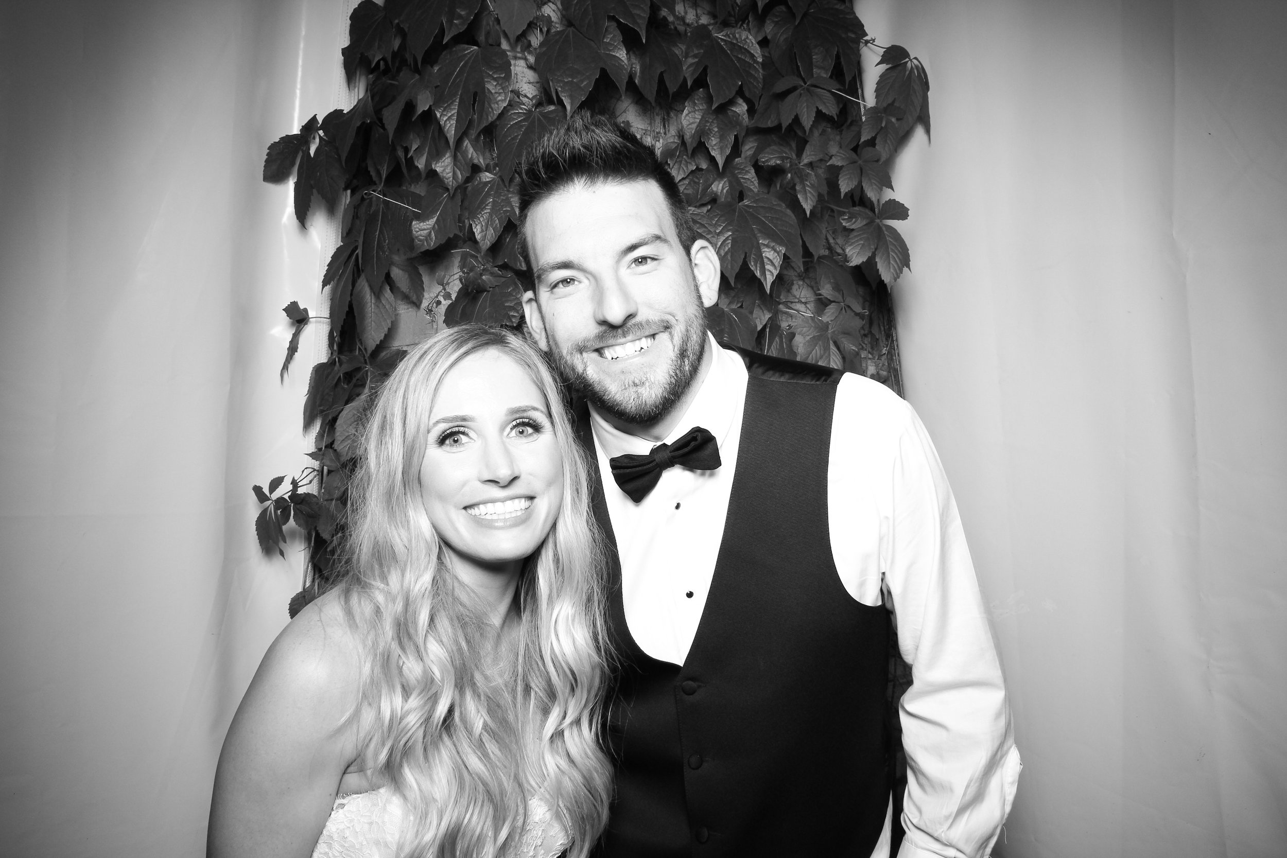 Chicago_Vintage_Wedding_Photobooth_Botanic_Garden_13.jpg
