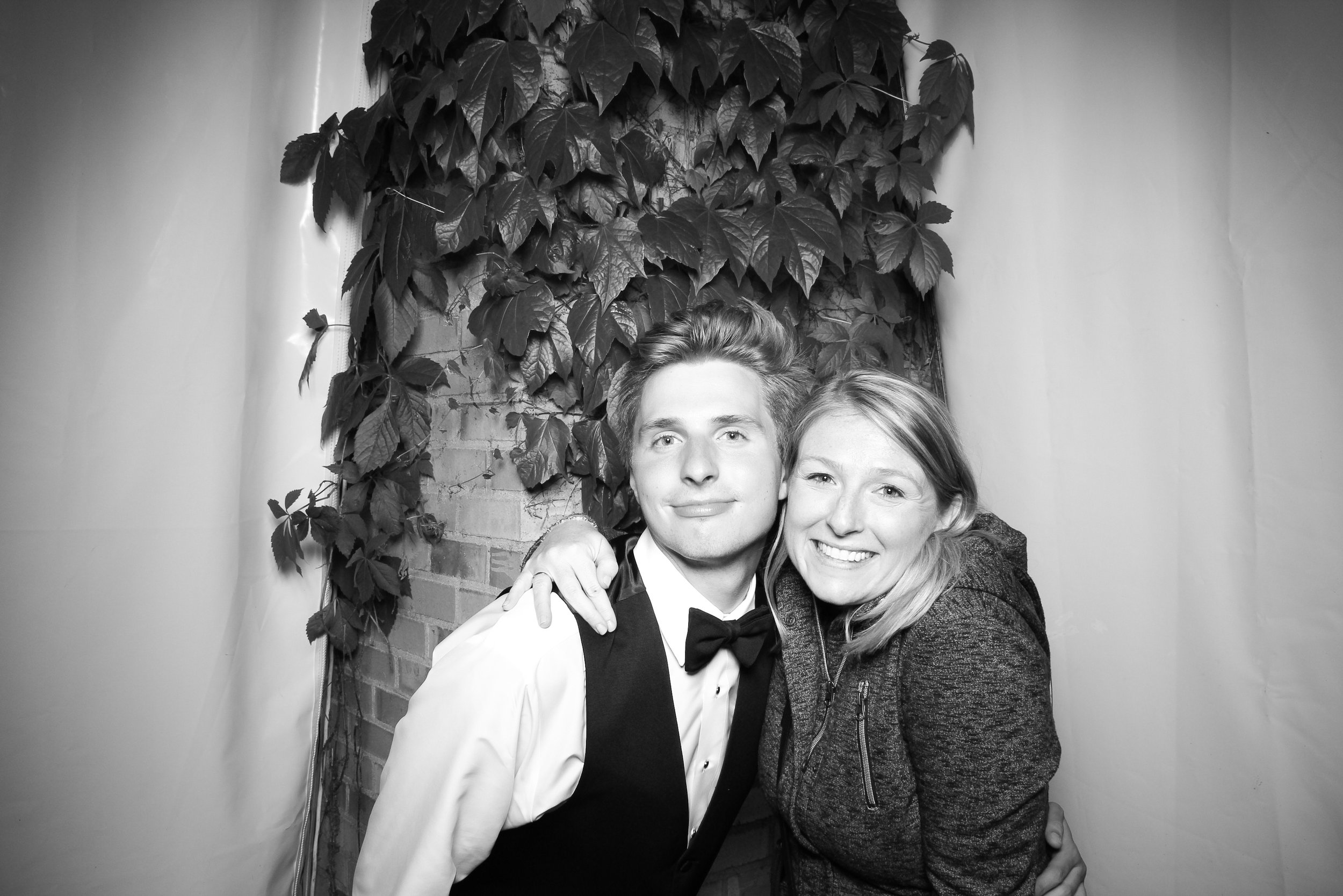 Chicago_Vintage_Wedding_Photobooth_Botanic_Garden_23.jpg