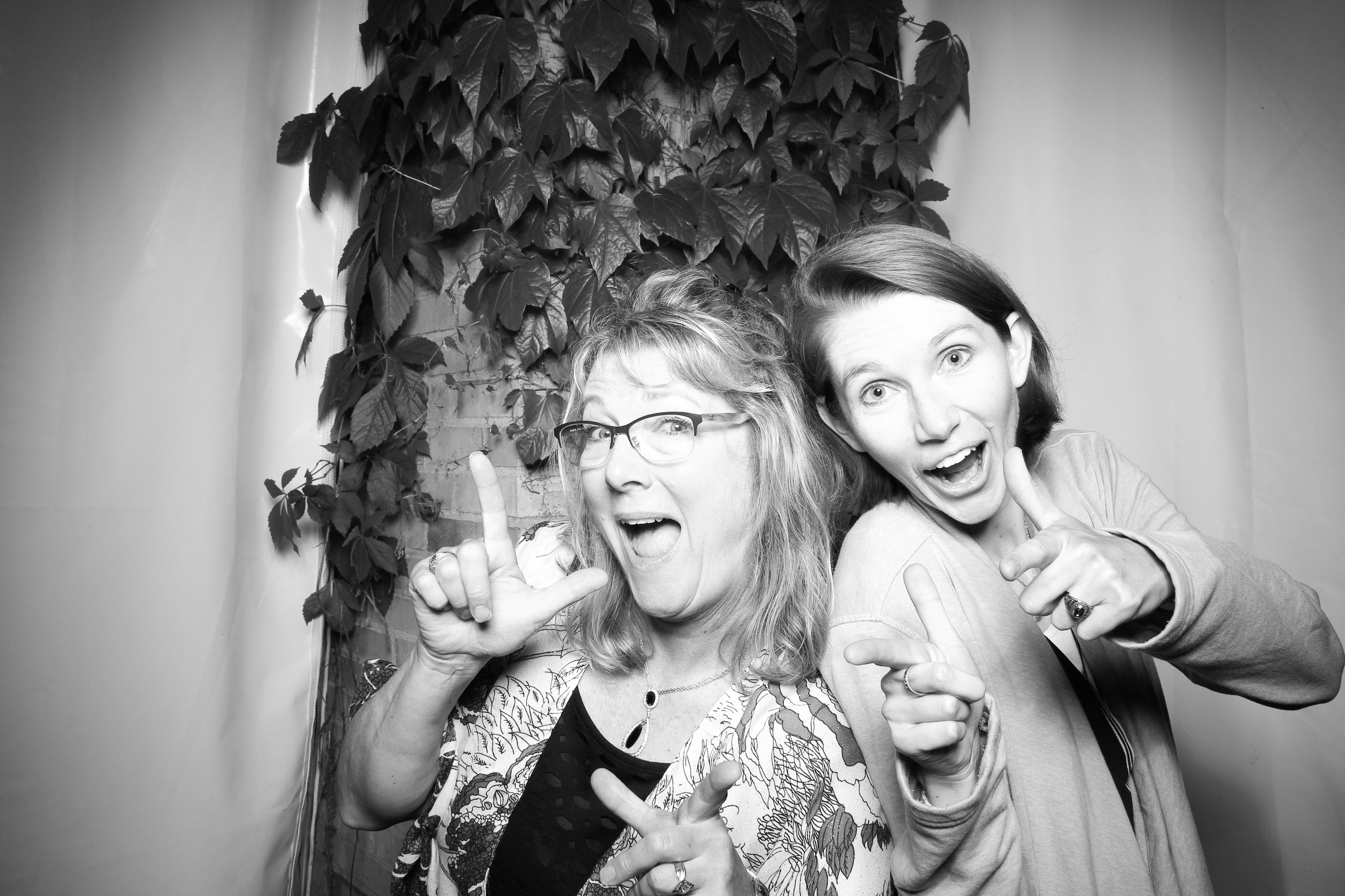 Chicago_Vintage_Wedding_Photobooth_Botanic_Garden_25.jpg