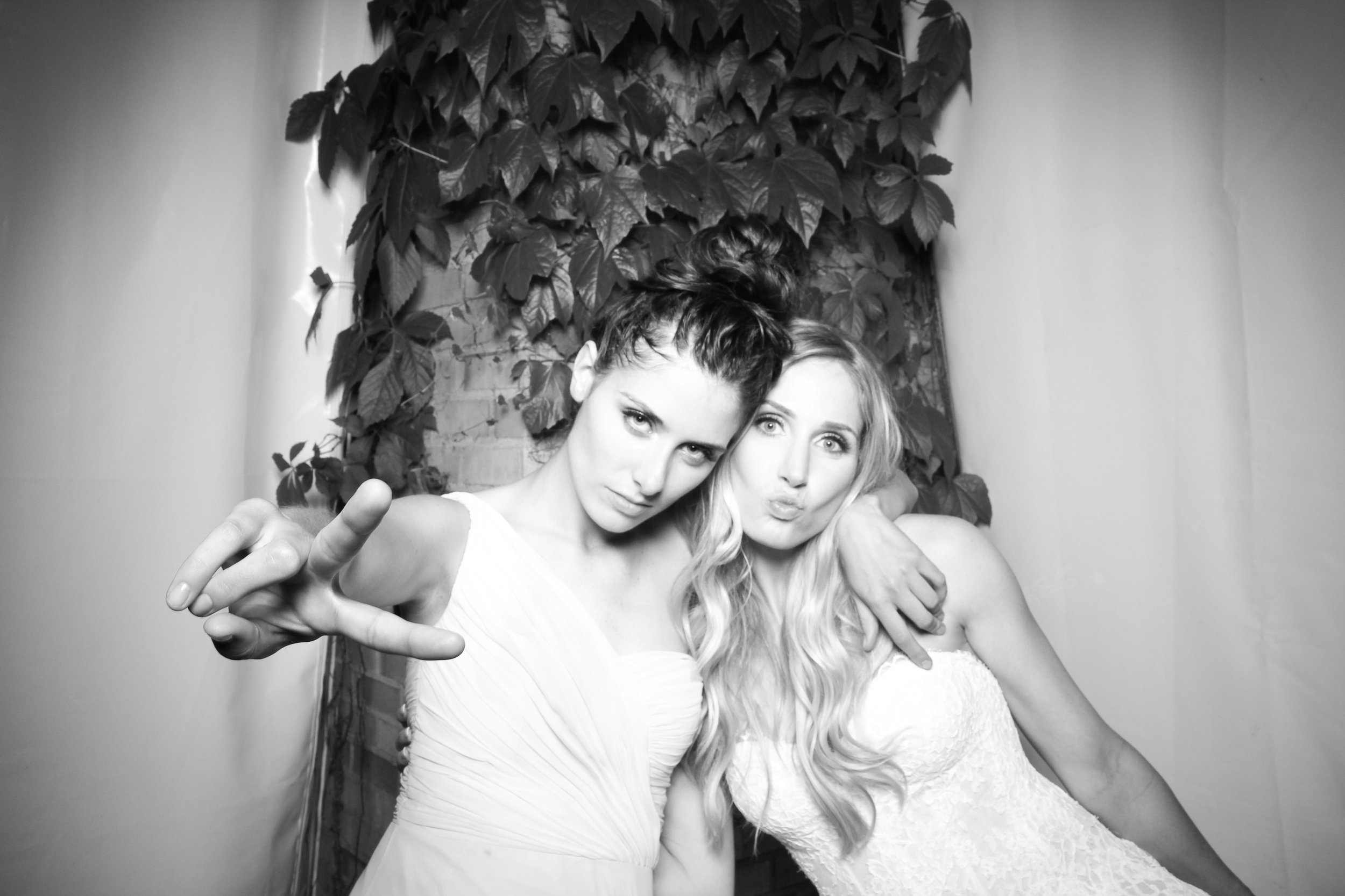 Chicago_Vintage_Wedding_Photobooth_Botanic_Garden_28.jpg