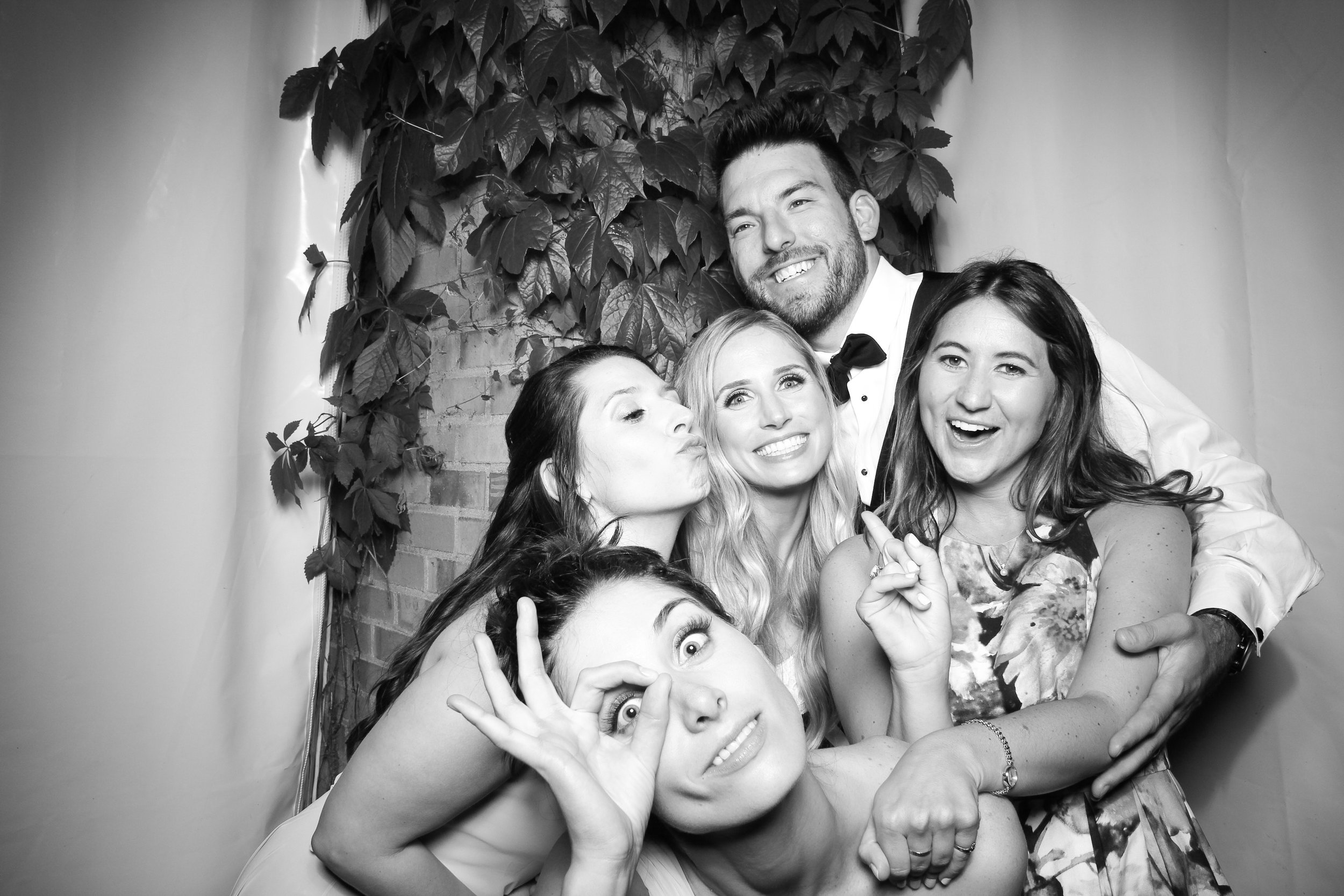Chicago_Vintage_Wedding_Photobooth_Botanic_Garden_32.jpg