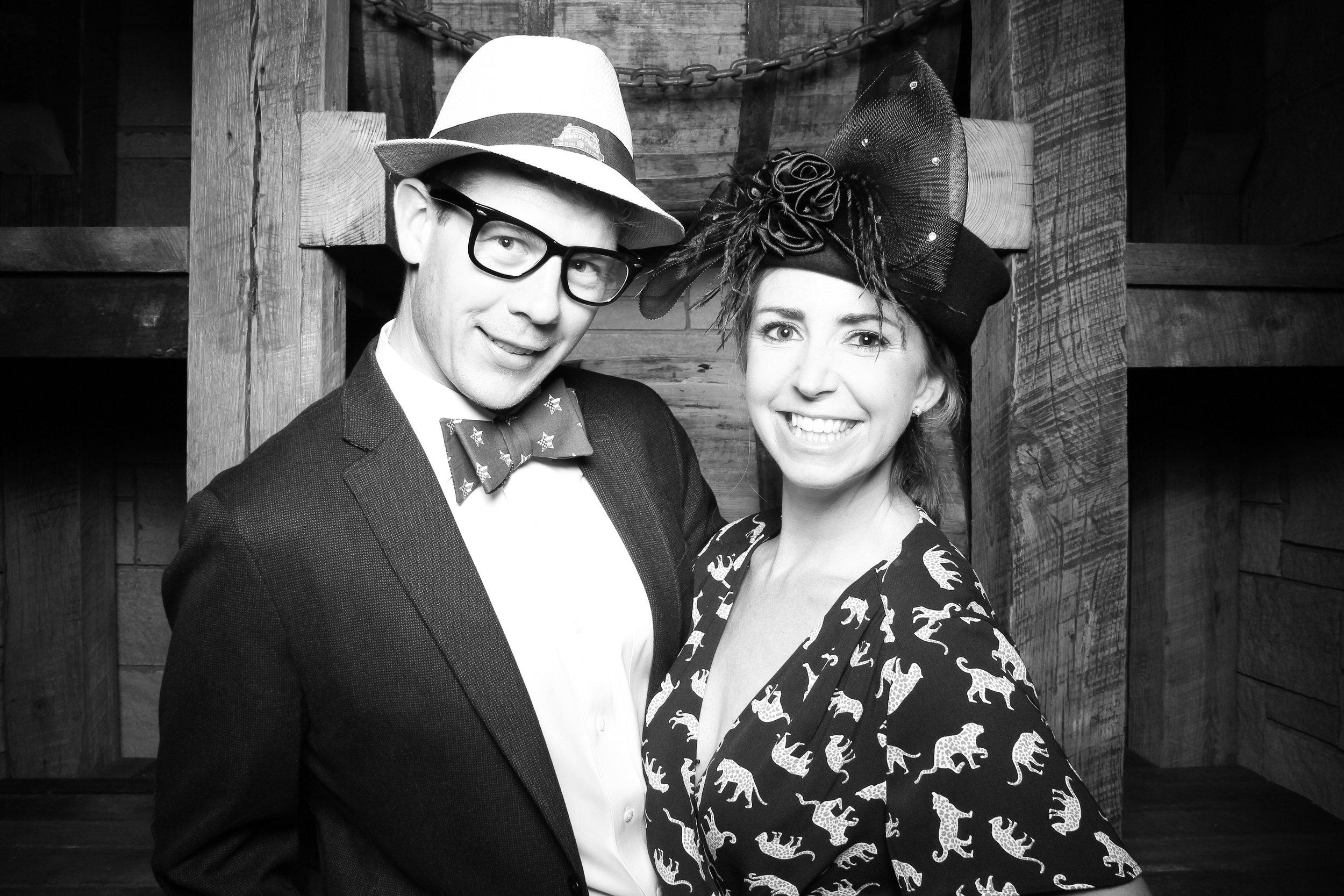 Chicago_Vintage_Wedding_Photobooth_Wrigley_Field_10.jpg