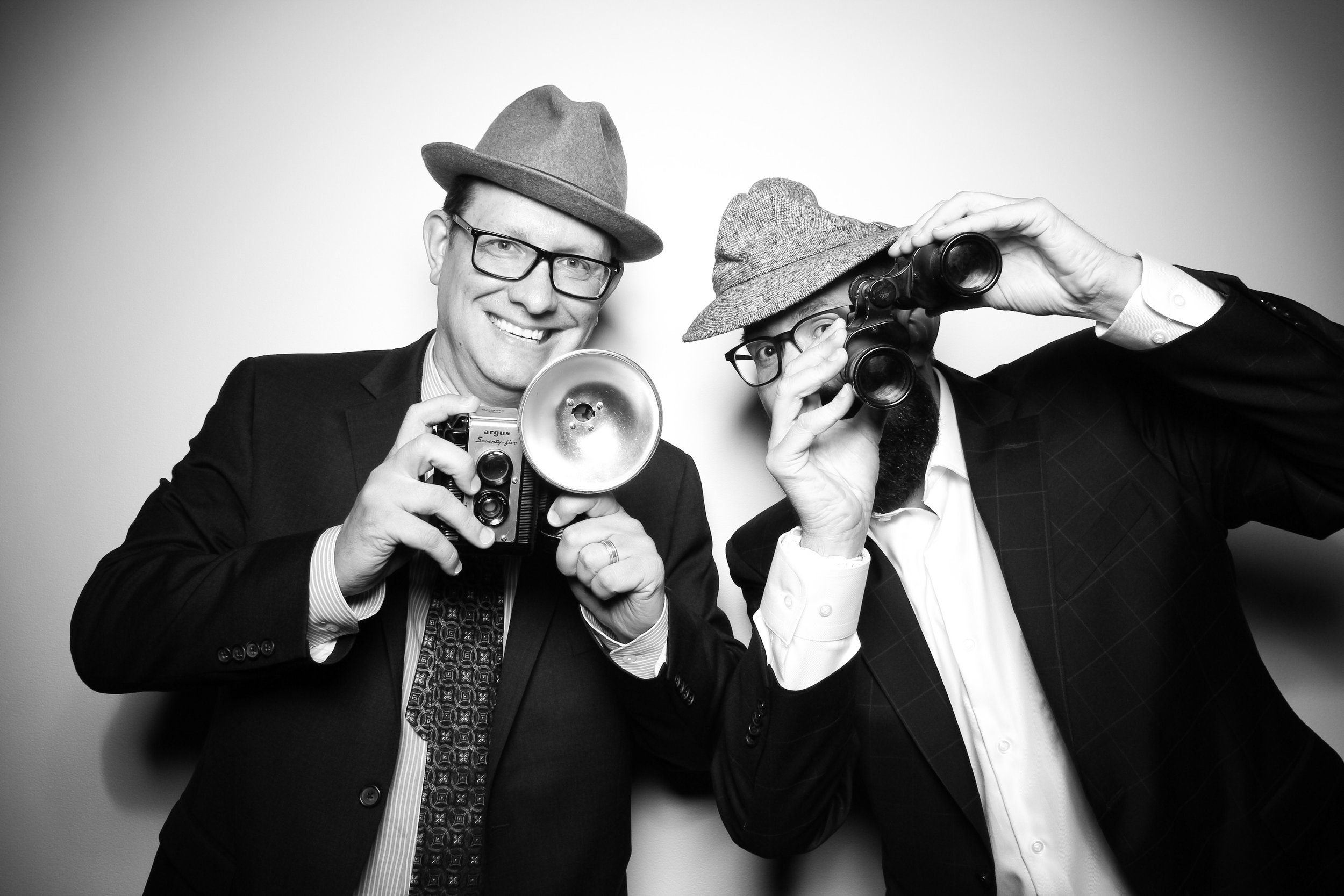AIC_Modern_Wing_Griffin_Court_Wedding_Reception_Photo_Booth_01.jpg