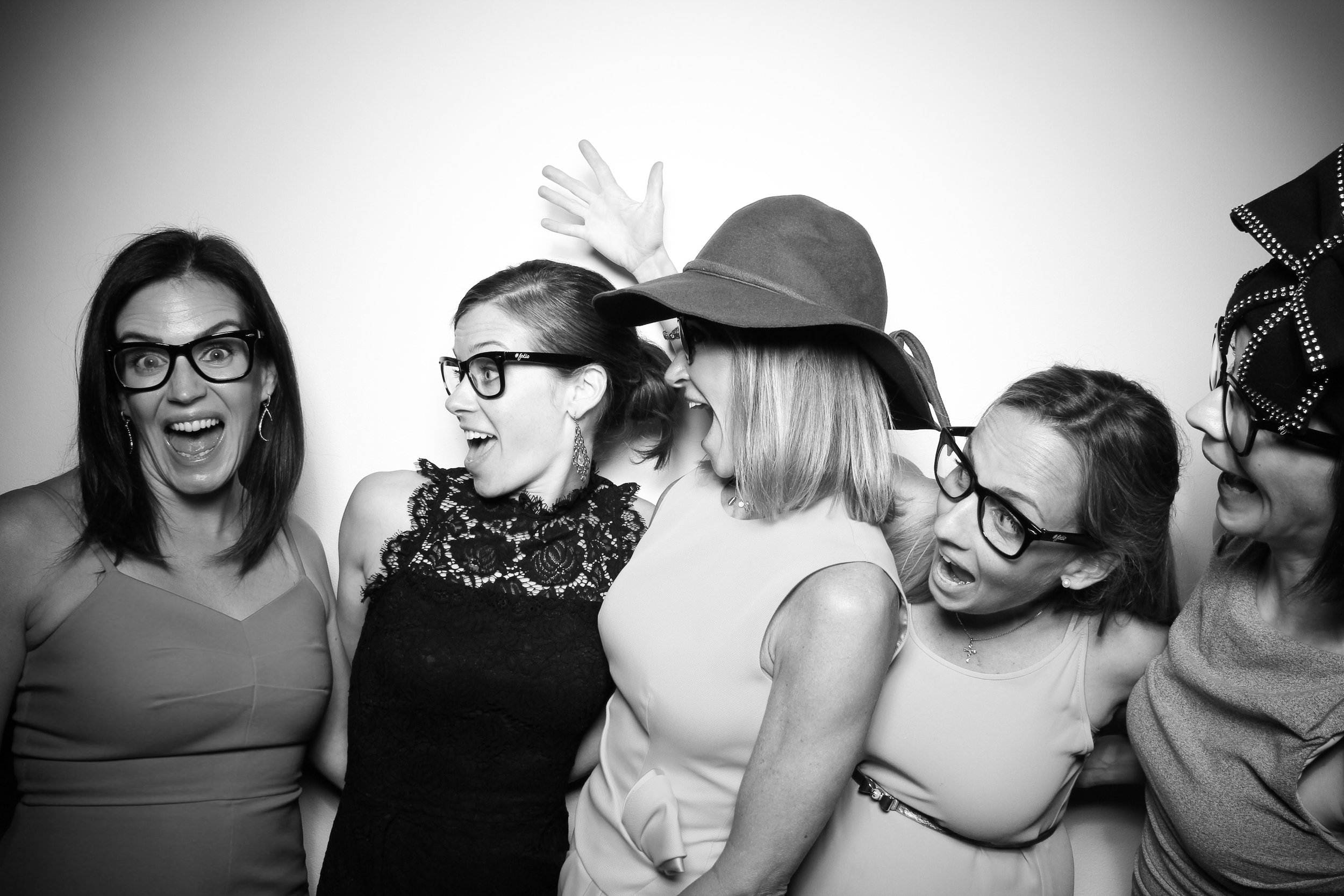 AIC_Modern_Wing_Griffin_Court_Wedding_Reception_Photo_Booth_08.jpg