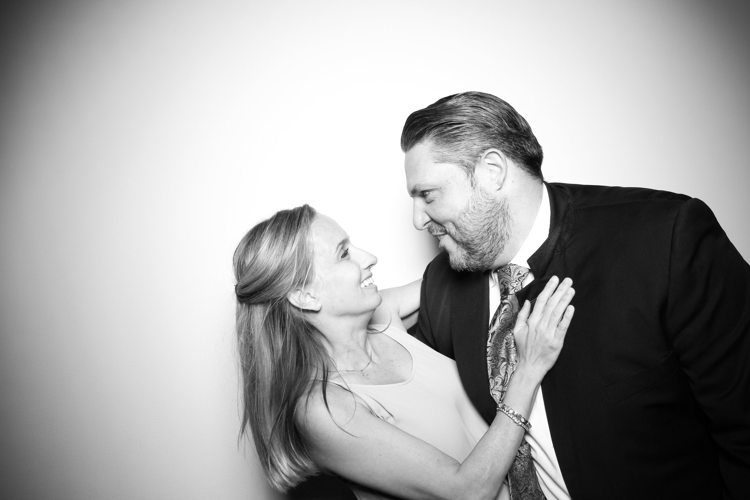 AIC_Modern_Wing_Griffin_Court_Wedding_Reception_Photo_Booth_11.jpg