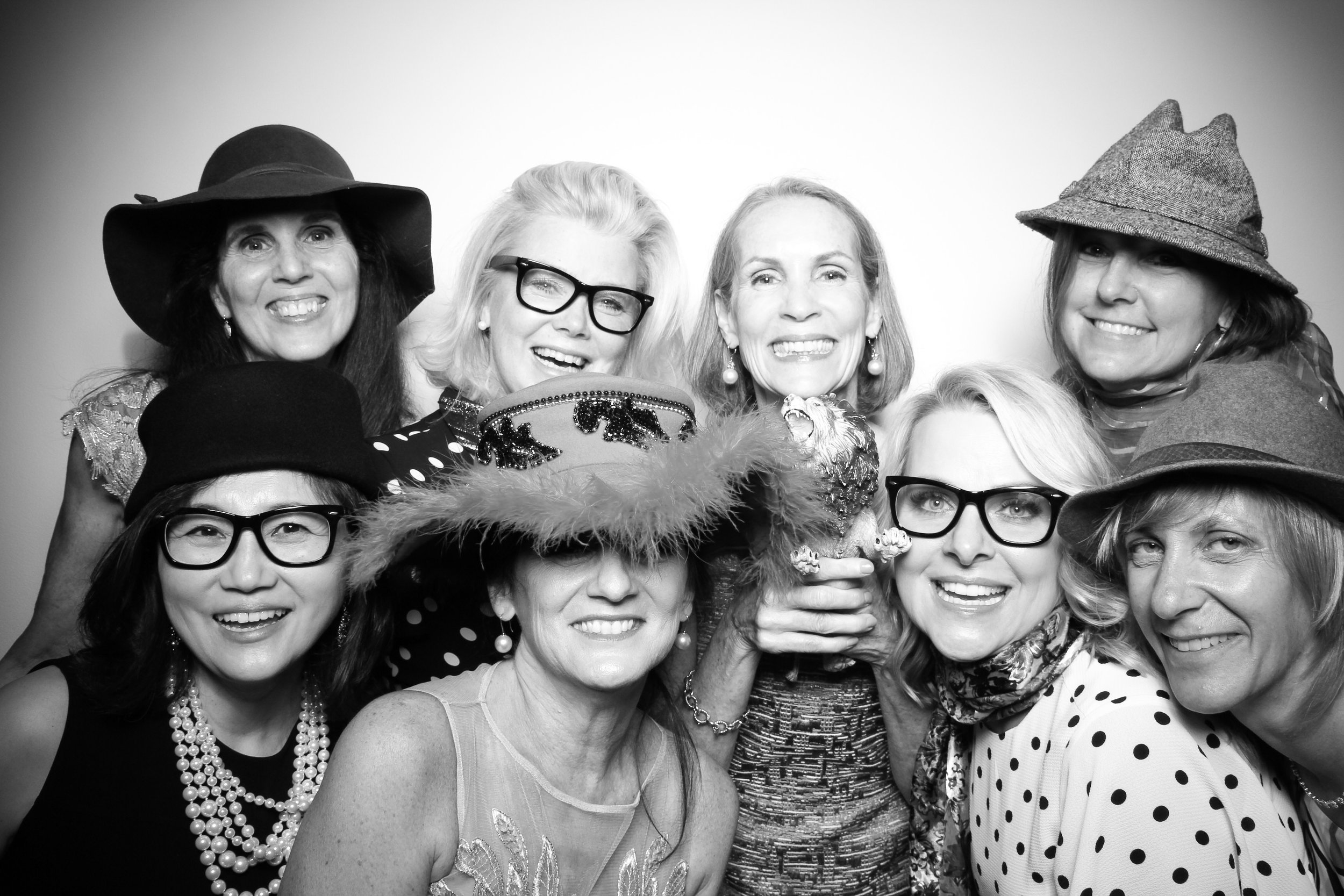 AIC_Modern_Wing_Griffin_Court_Wedding_Reception_Photo_Booth_17.jpg