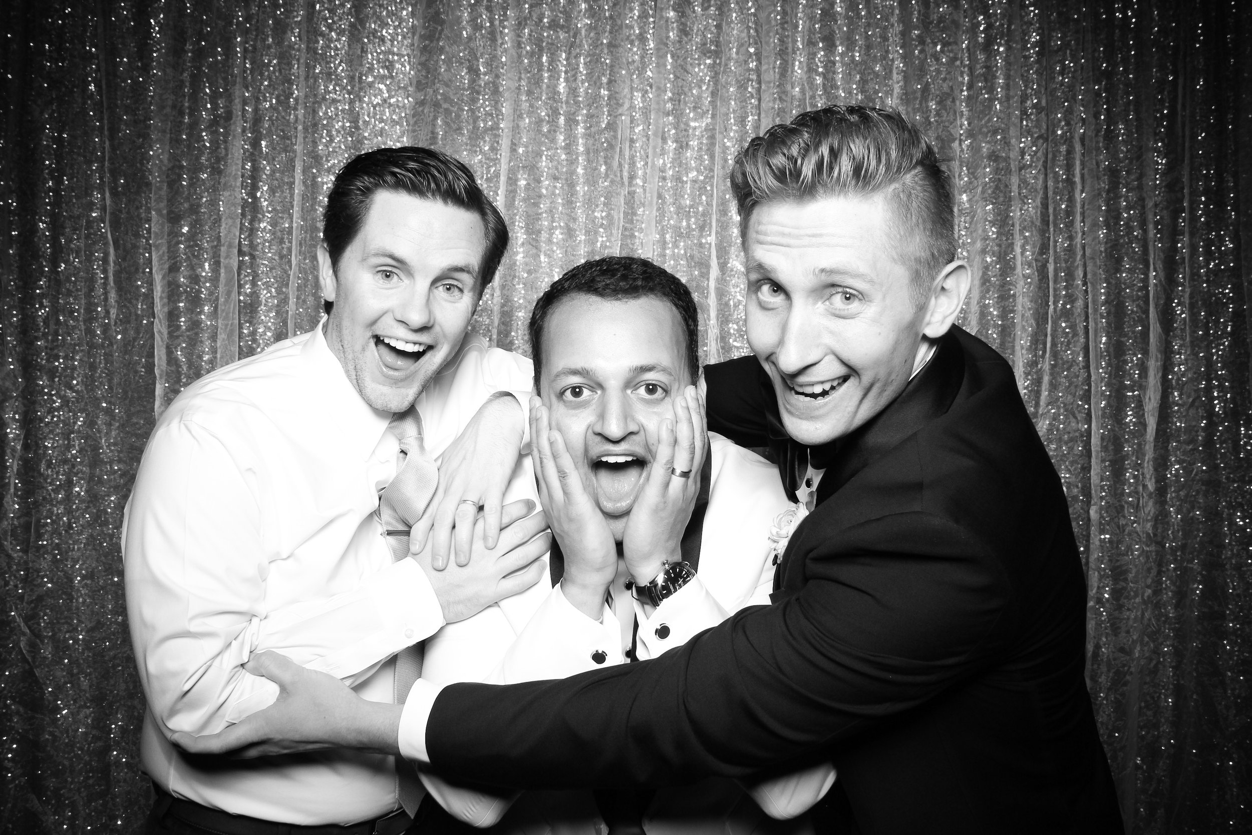 Chicago_Vintage_Wedding_Photobooth_Medinah_Country_Club_03.jpg