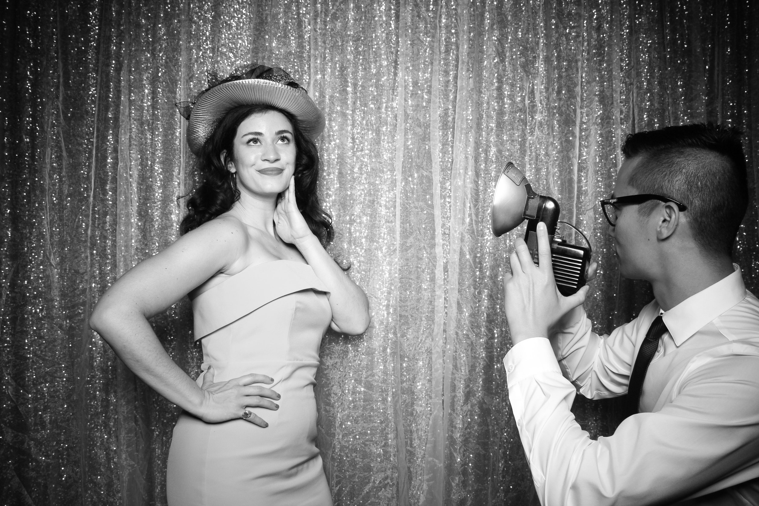 Chicago_Vintage_Wedding_Photobooth_Medinah_Country_Club_08.jpg