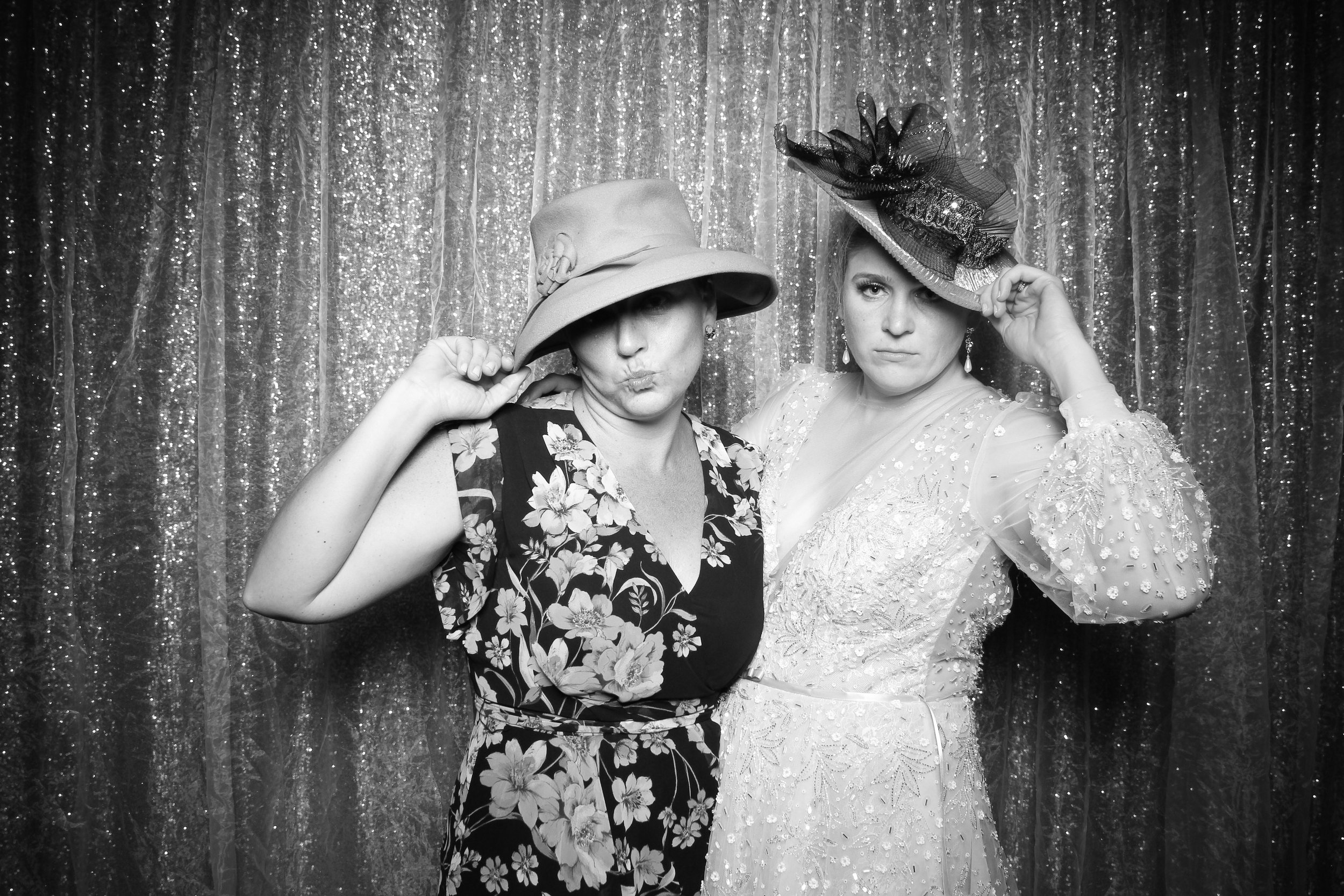 Chicago_Vintage_Wedding_Photobooth_Medinah_Country_Club_13.jpg