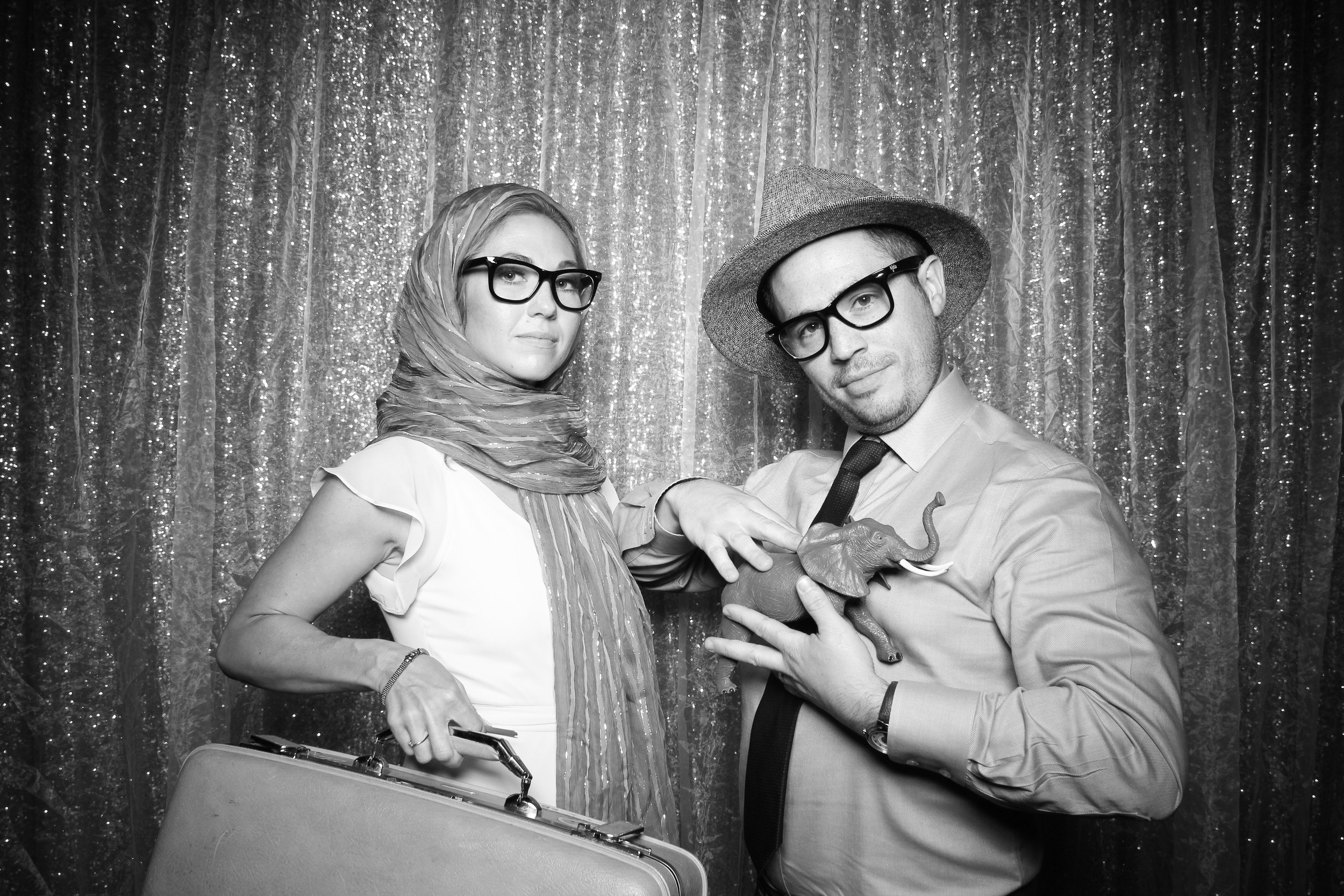 Chicago_Vintage_Wedding_Photobooth_Medinah_Country_Club_14.jpg