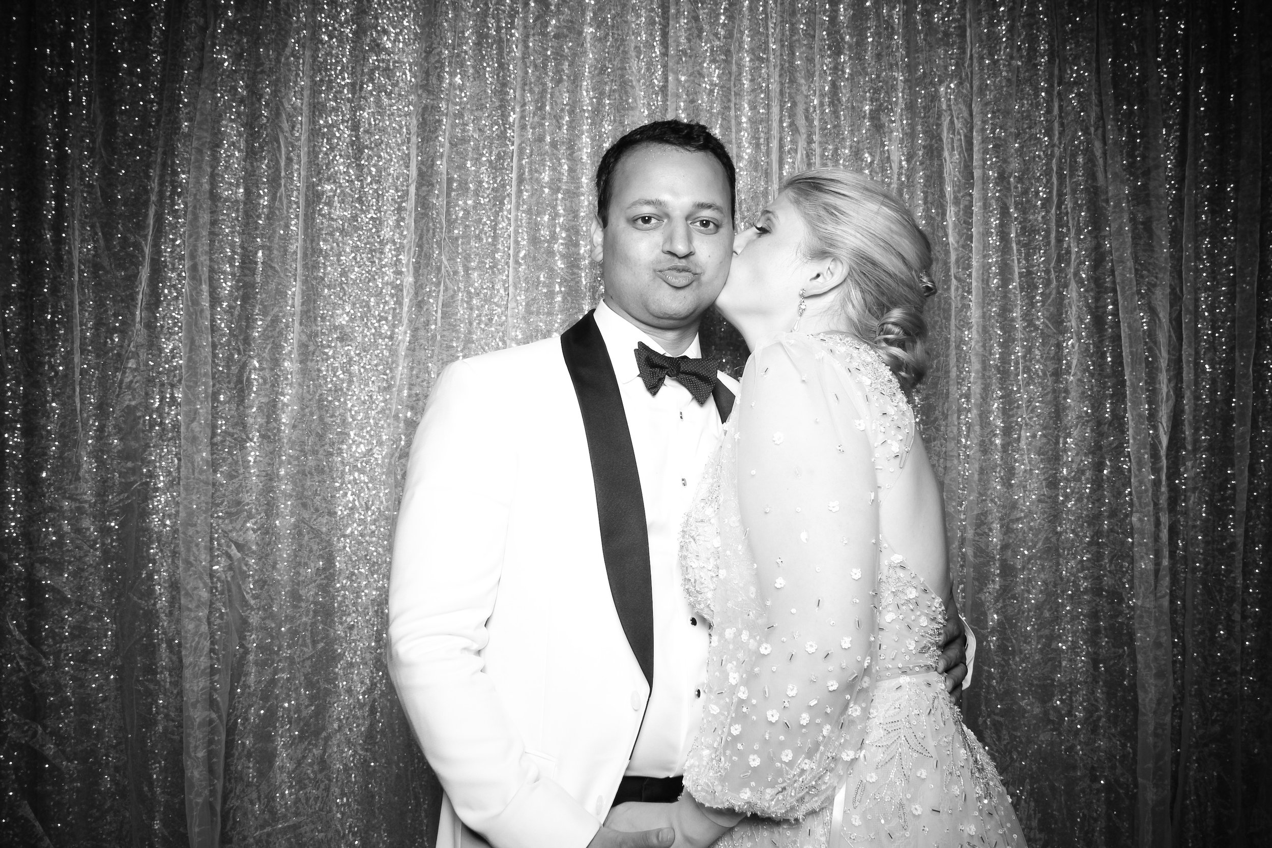 Chicago_Vintage_Wedding_Photobooth_Medinah_Country_Club_15.jpg