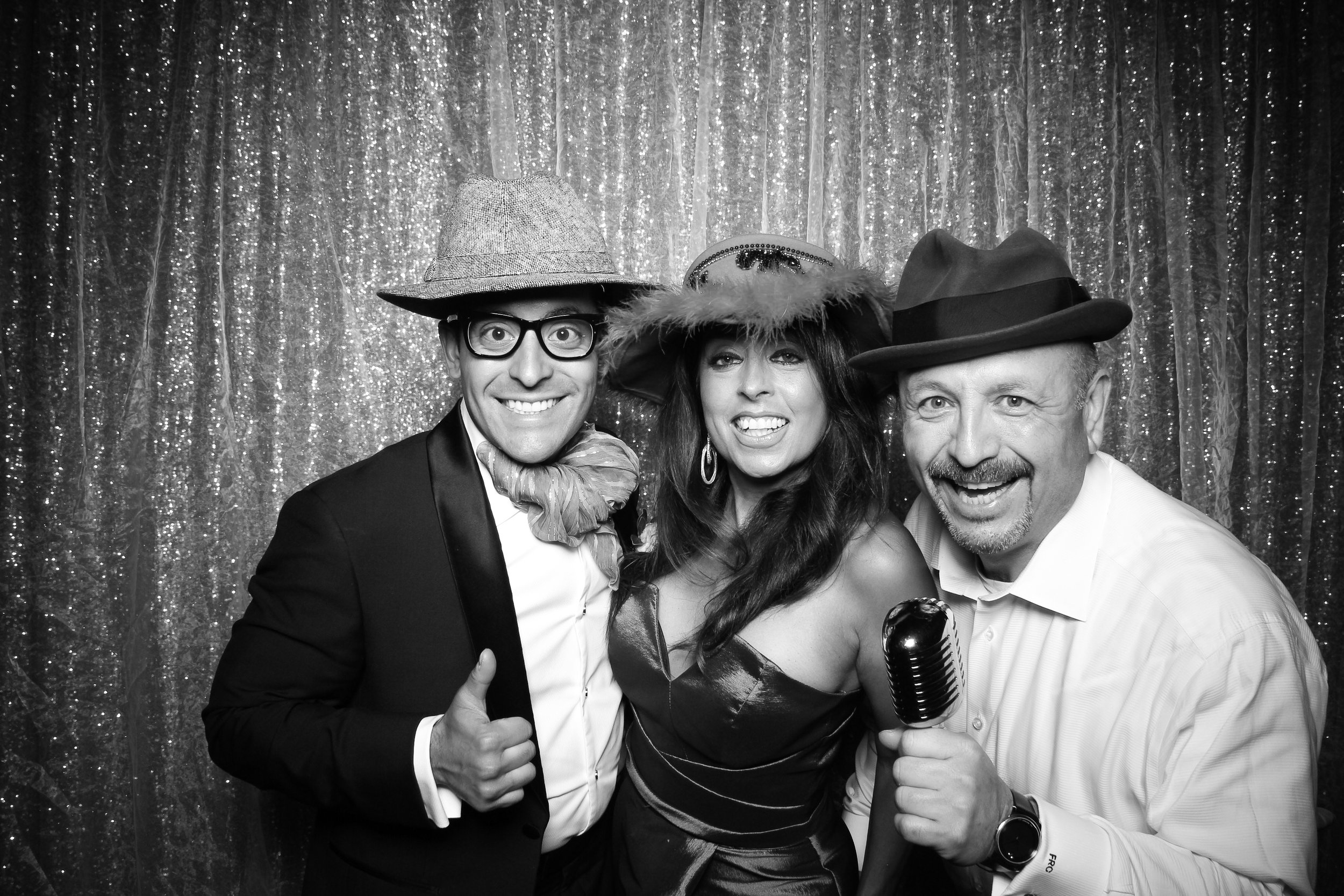 Chicago_Vintage_Wedding_Photobooth_Medinah_Country_Club_19.jpg