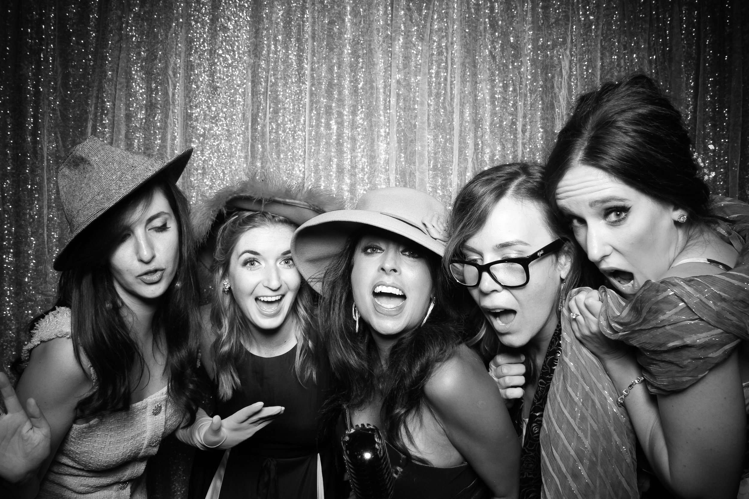 Chicago_Vintage_Wedding_Photobooth_Medinah_Country_Club_23.jpg
