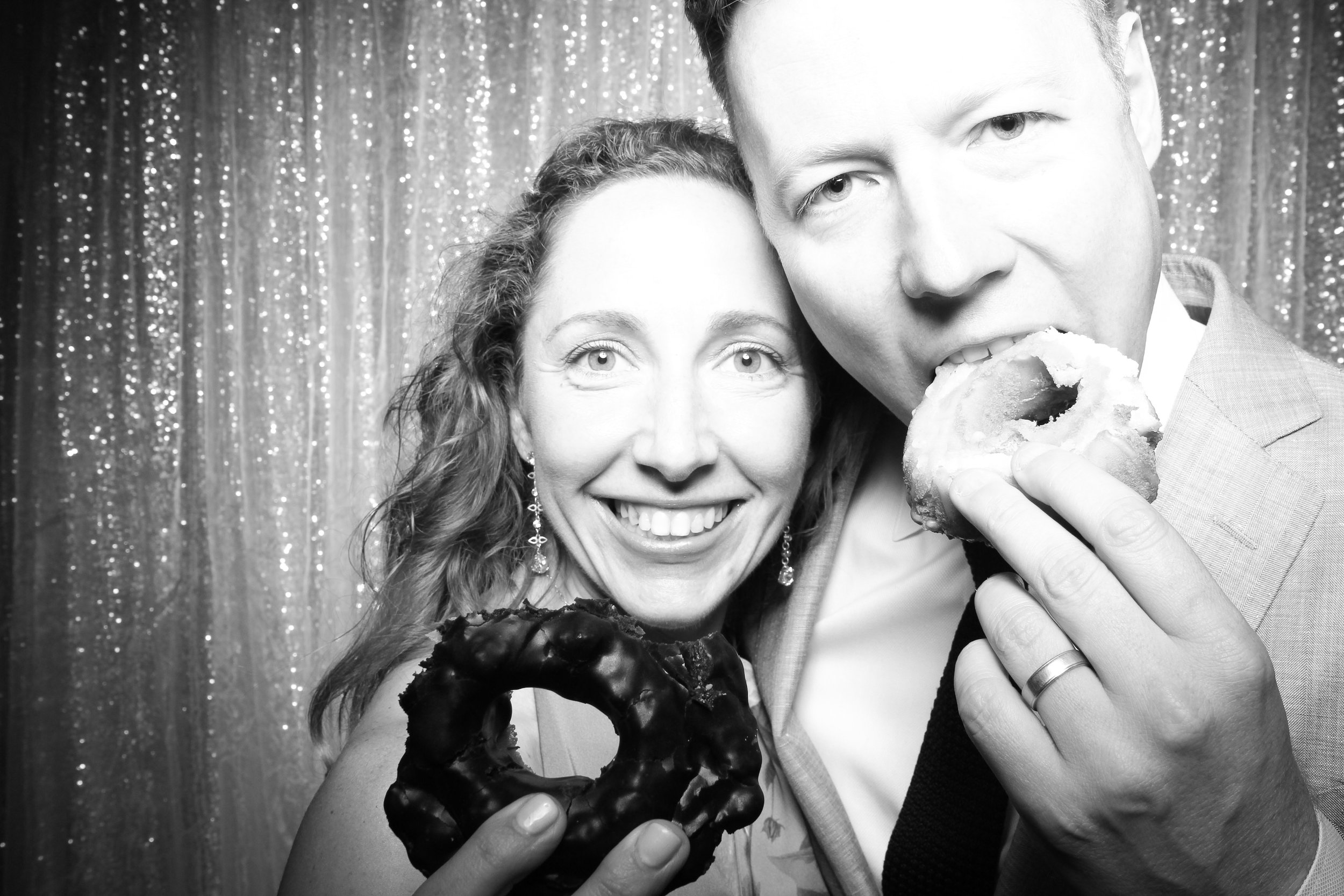 Chicago_Vintage_Wedding_Photobooth_Adler_Planetarium_06.jpg