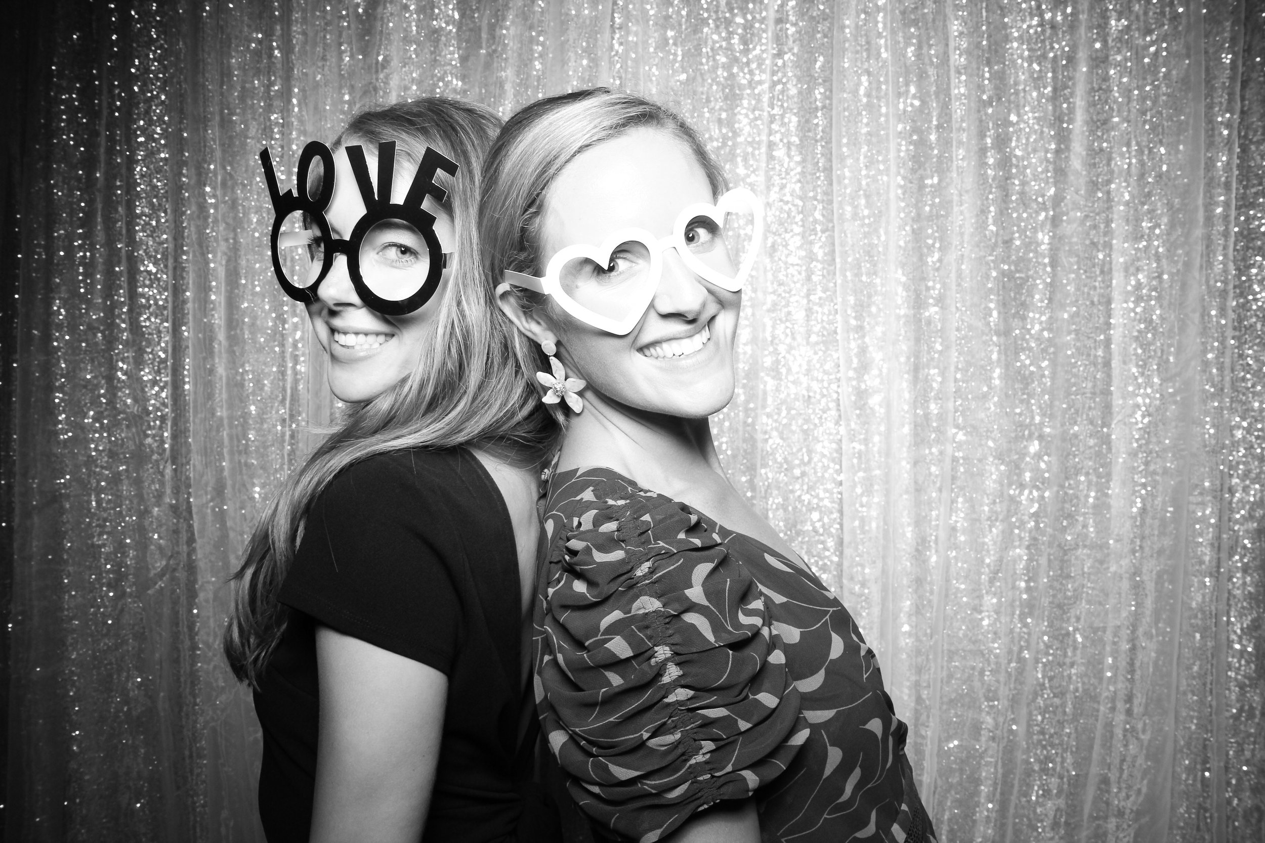 Chicago_Vintage_Wedding_Photobooth_Adler_Planetarium_11.jpg