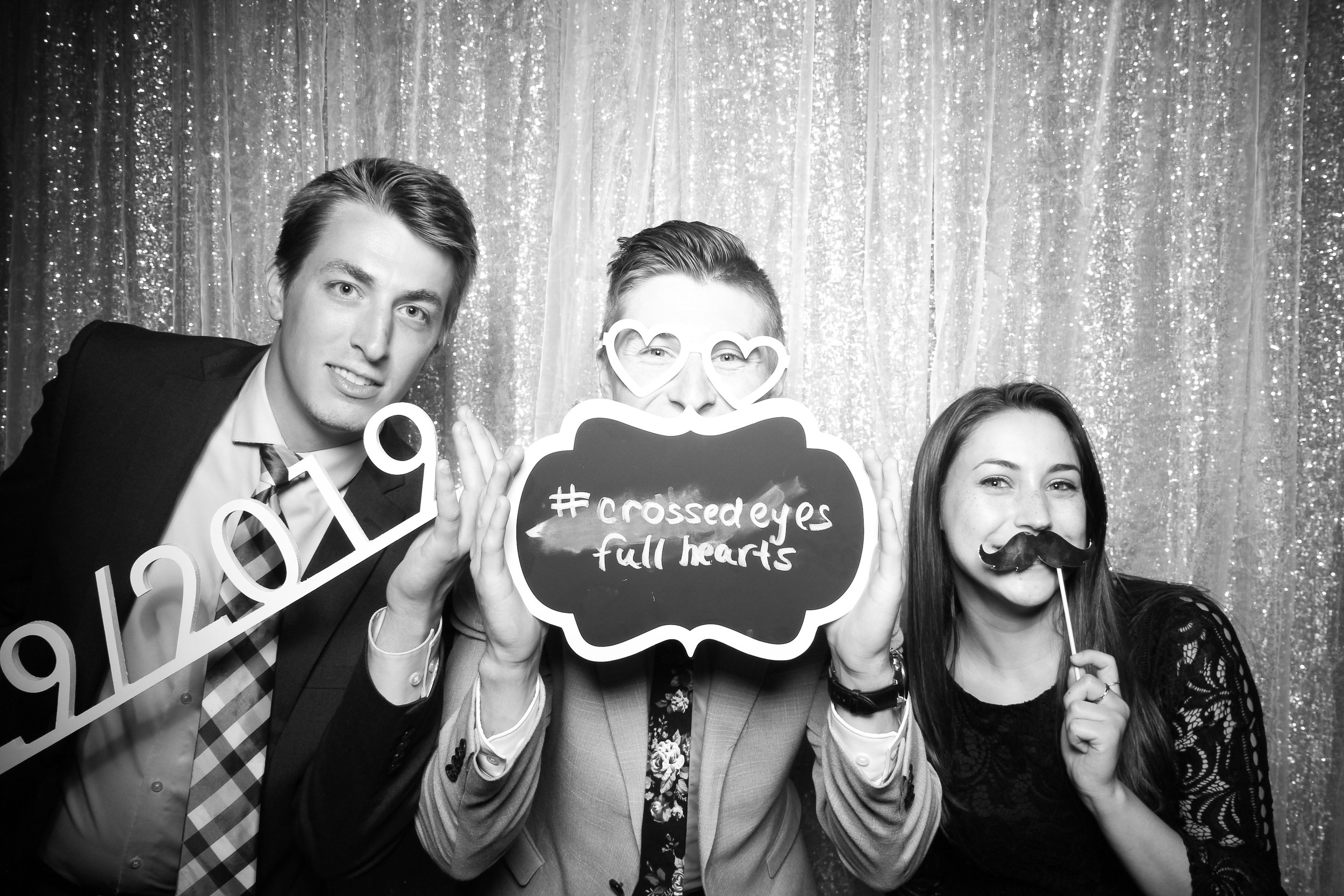 Chicago_Vintage_Wedding_Photobooth_Adler_Planetarium_13.jpg