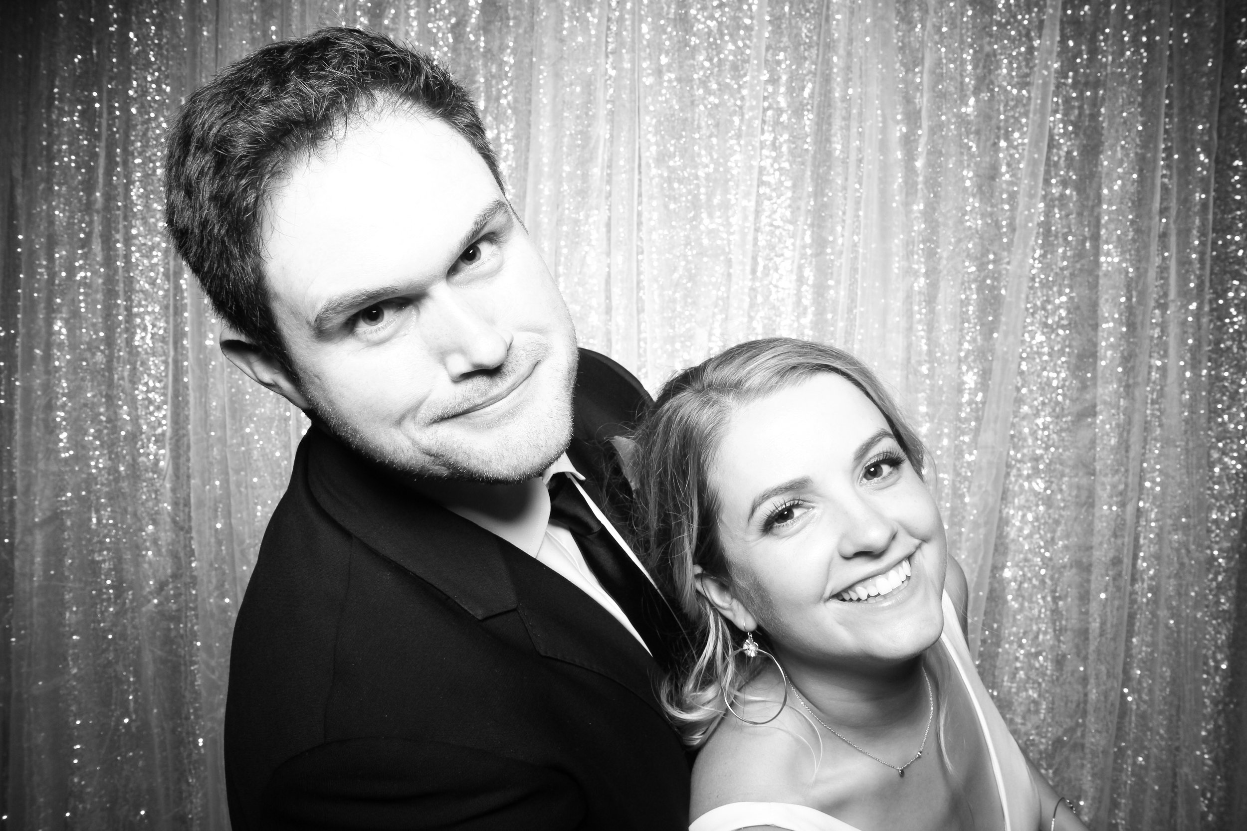 Chicago_Vintage_Wedding_Photobooth_Adler_Planetarium_18.jpg