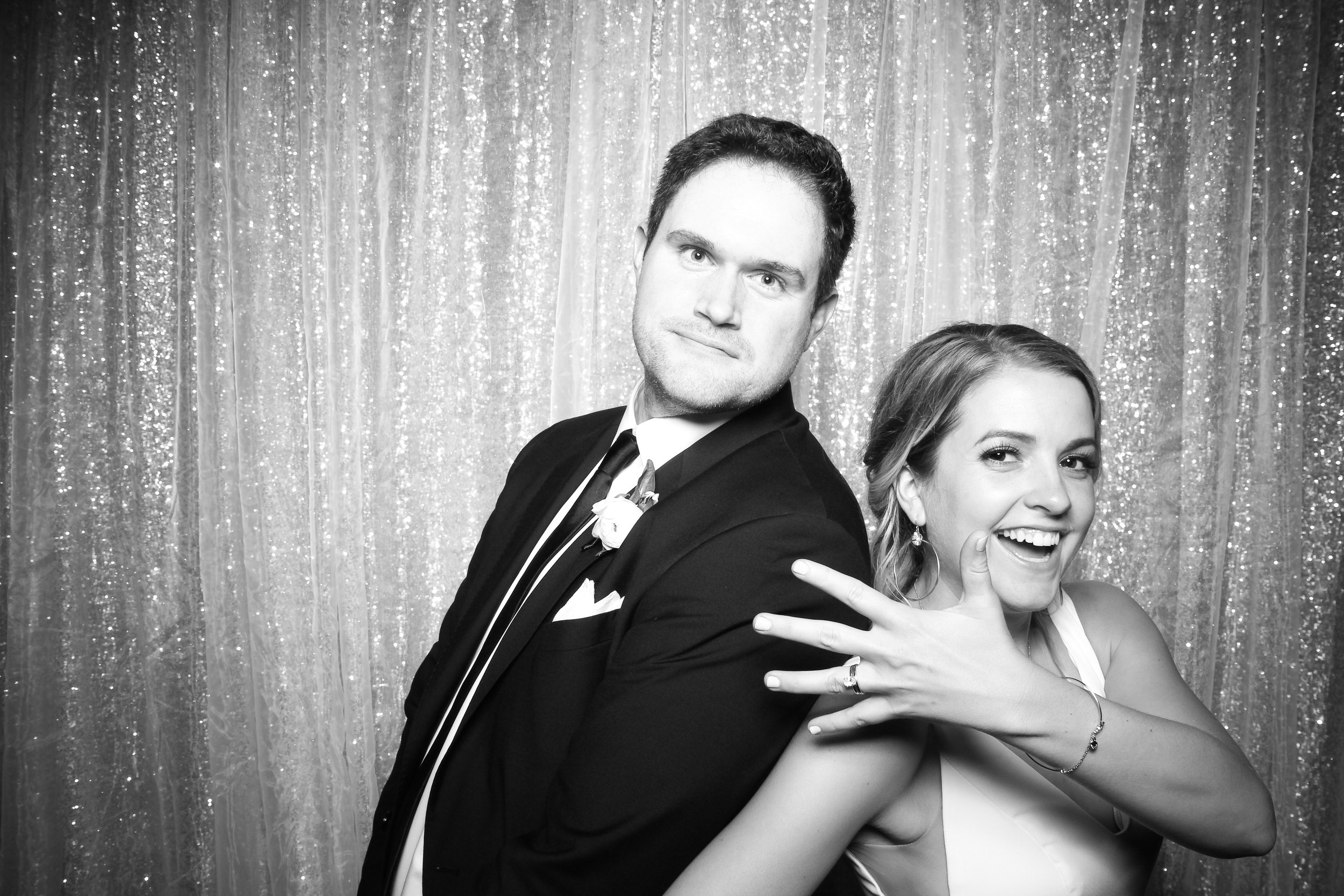 Chicago_Vintage_Wedding_Photobooth_Adler_Planetarium_20.jpg