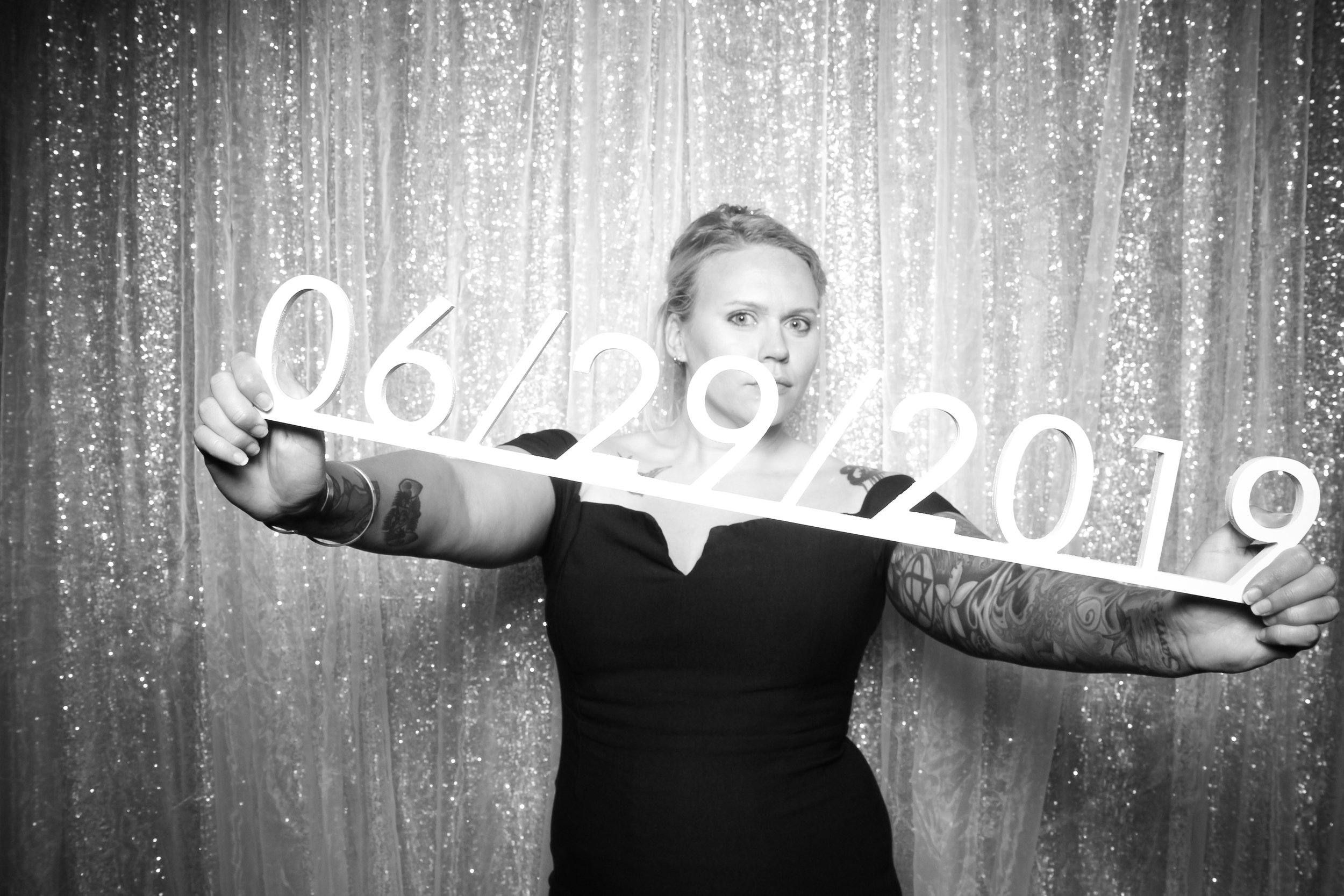 Chicago_Vintage_Wedding_Photobooth_Adler_Planetarium_26.jpg