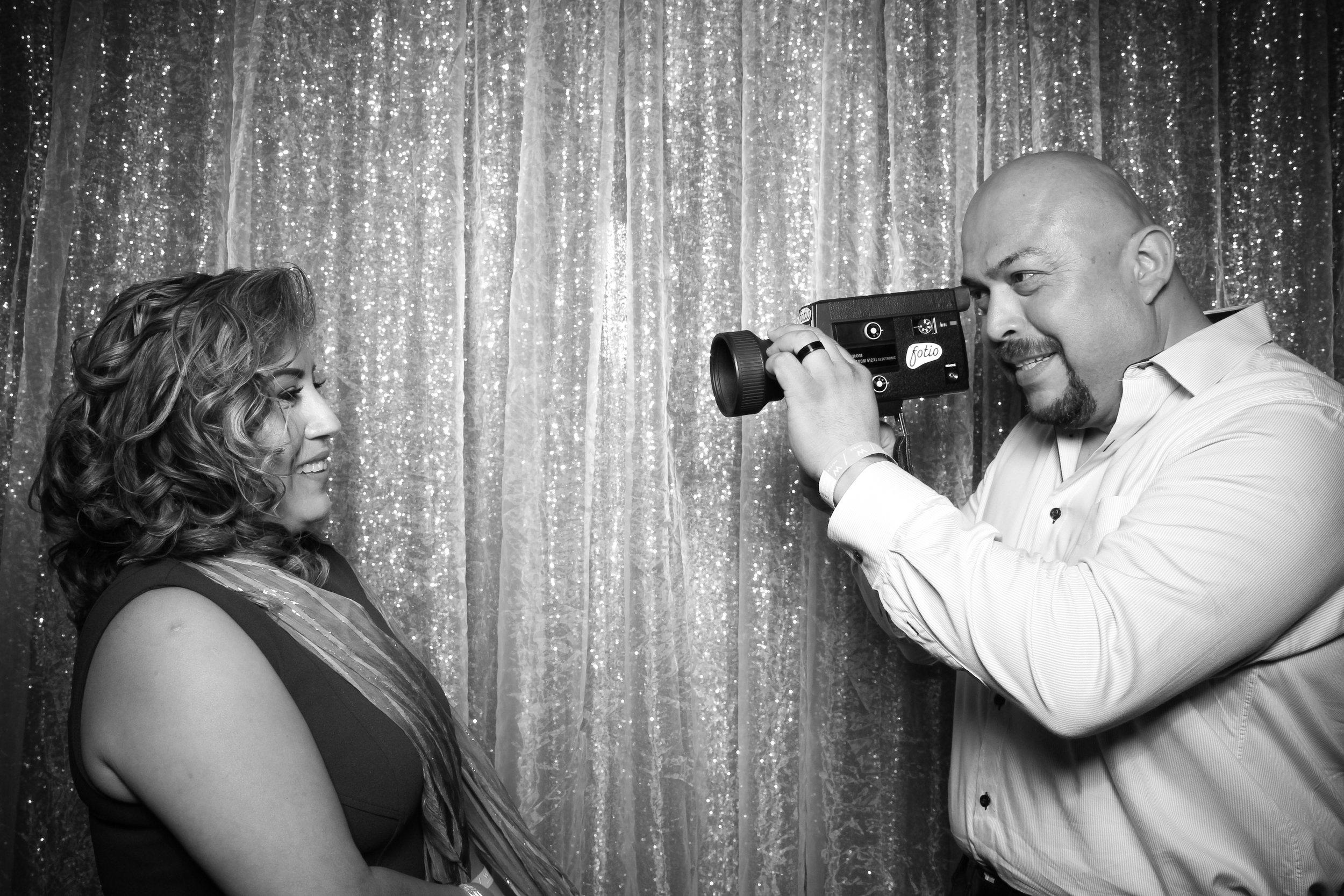 Chicago_Vintage_Wedding_Photobooth_W_Lakeshore_Hotel_04.jpg