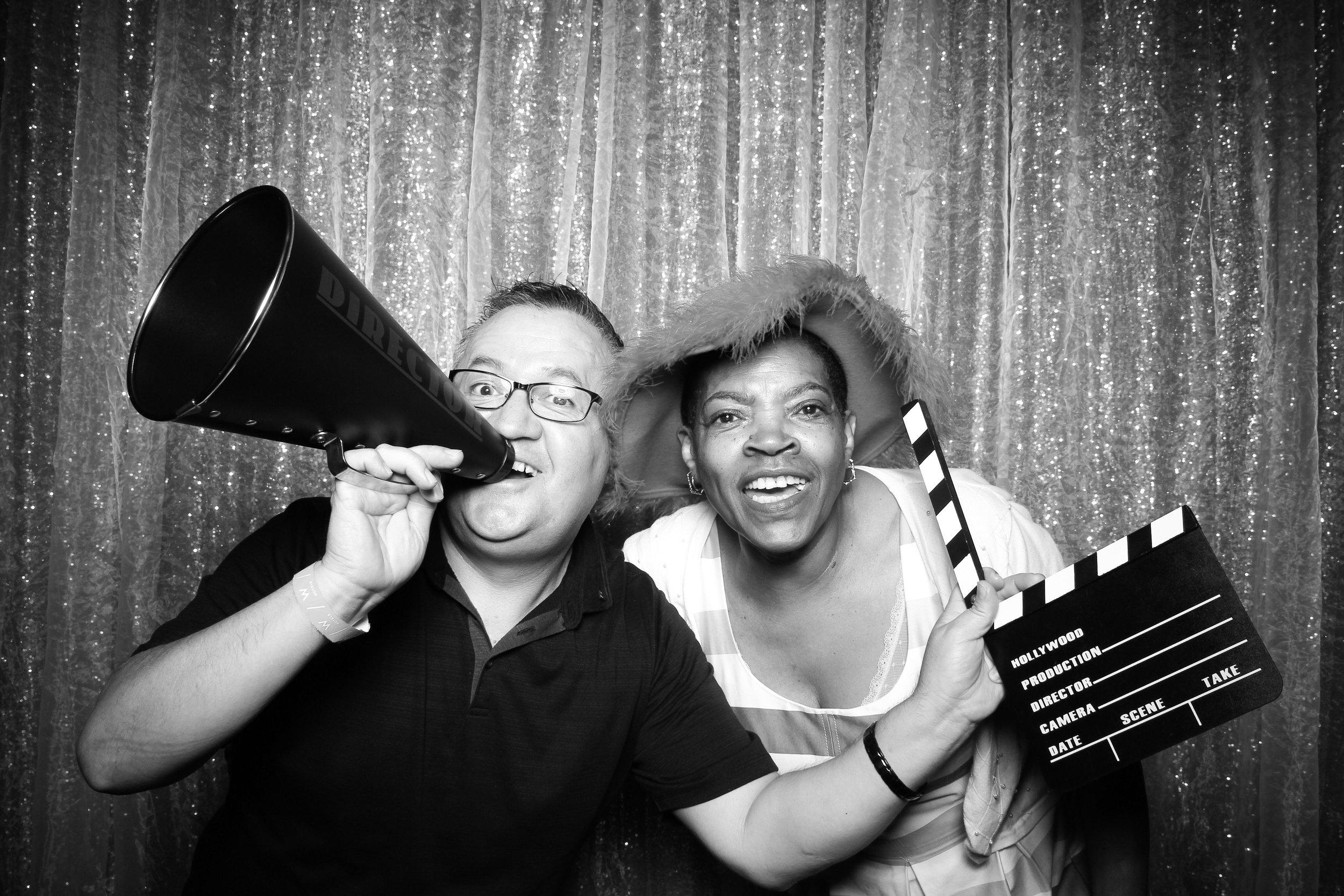 Chicago_Vintage_Wedding_Photobooth_W_Lakeshore_Hotel_18.jpg