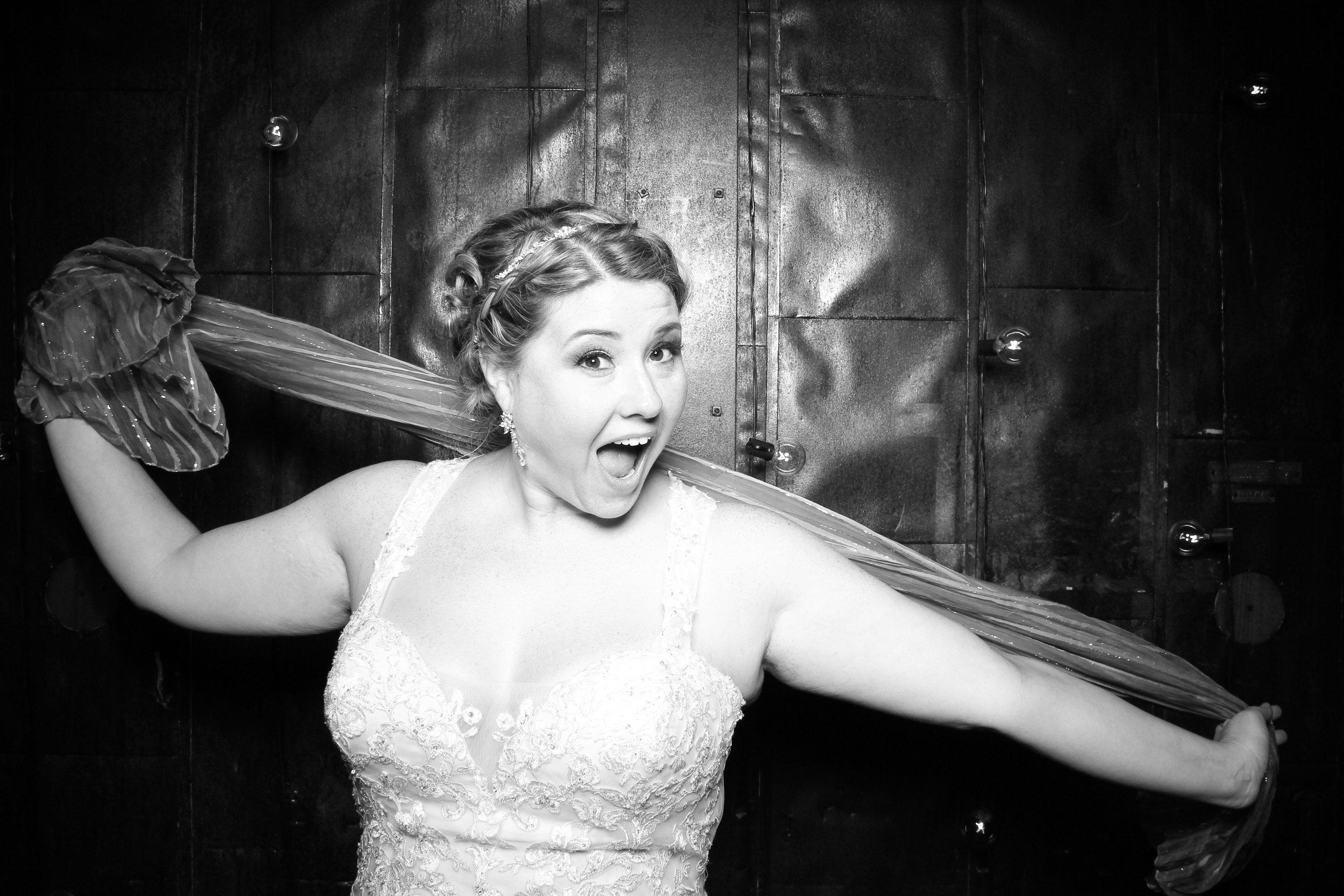 Chicago_Vintage_Wedding_Photobooth_Morgan_Manufacturing_32.jpg