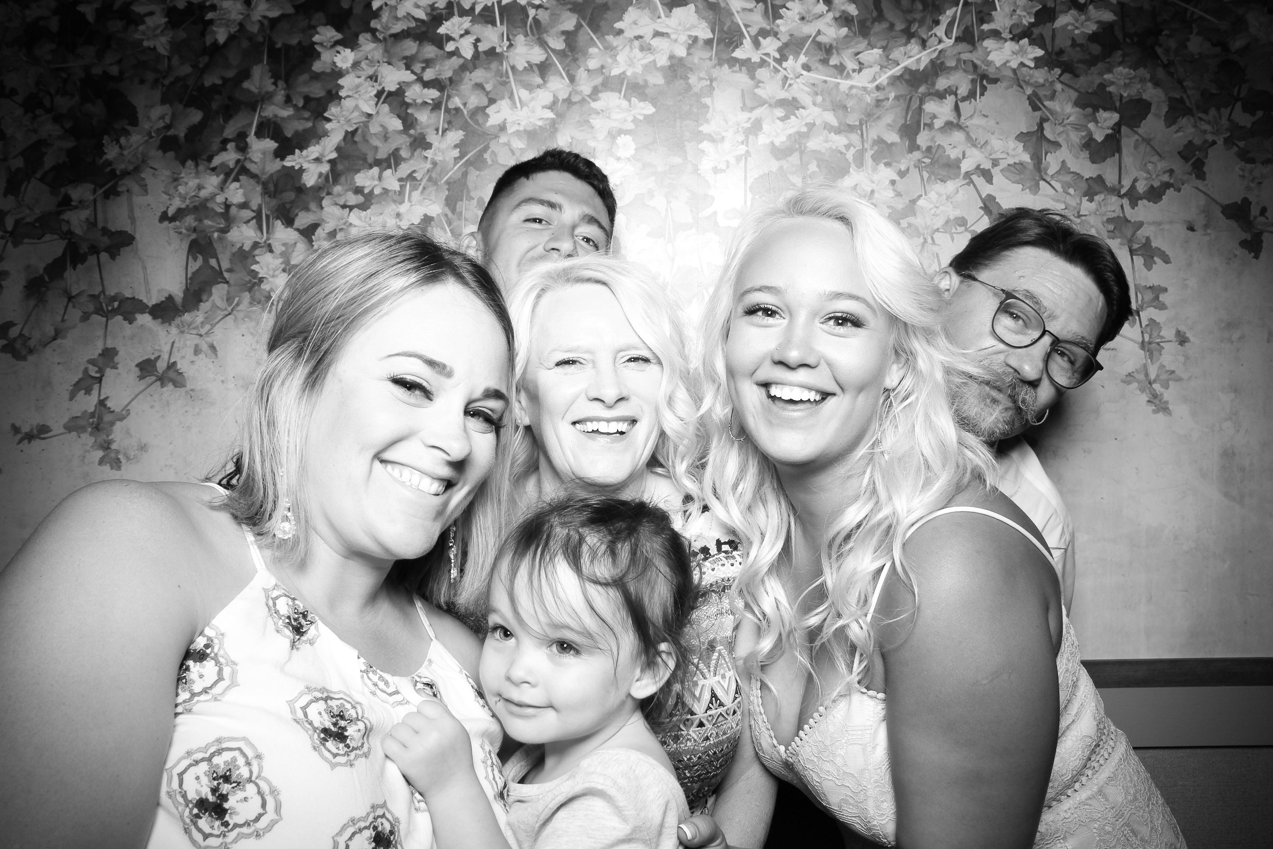 Randall_Oaks_Country_Club_Wedding_West_Dundee_Photo_Booth_07.jpg