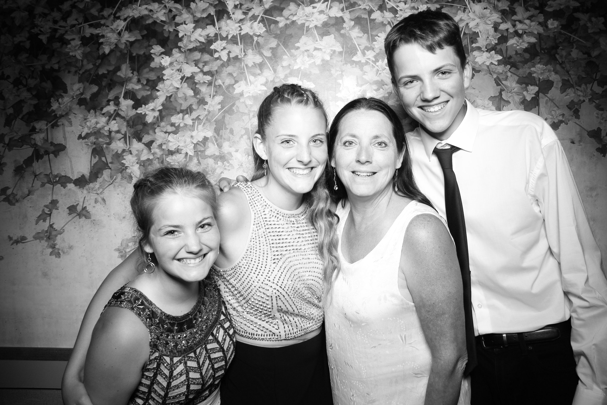 Randall_Oaks_Country_Club_Wedding_West_Dundee_Photo_Booth_10.jpg
