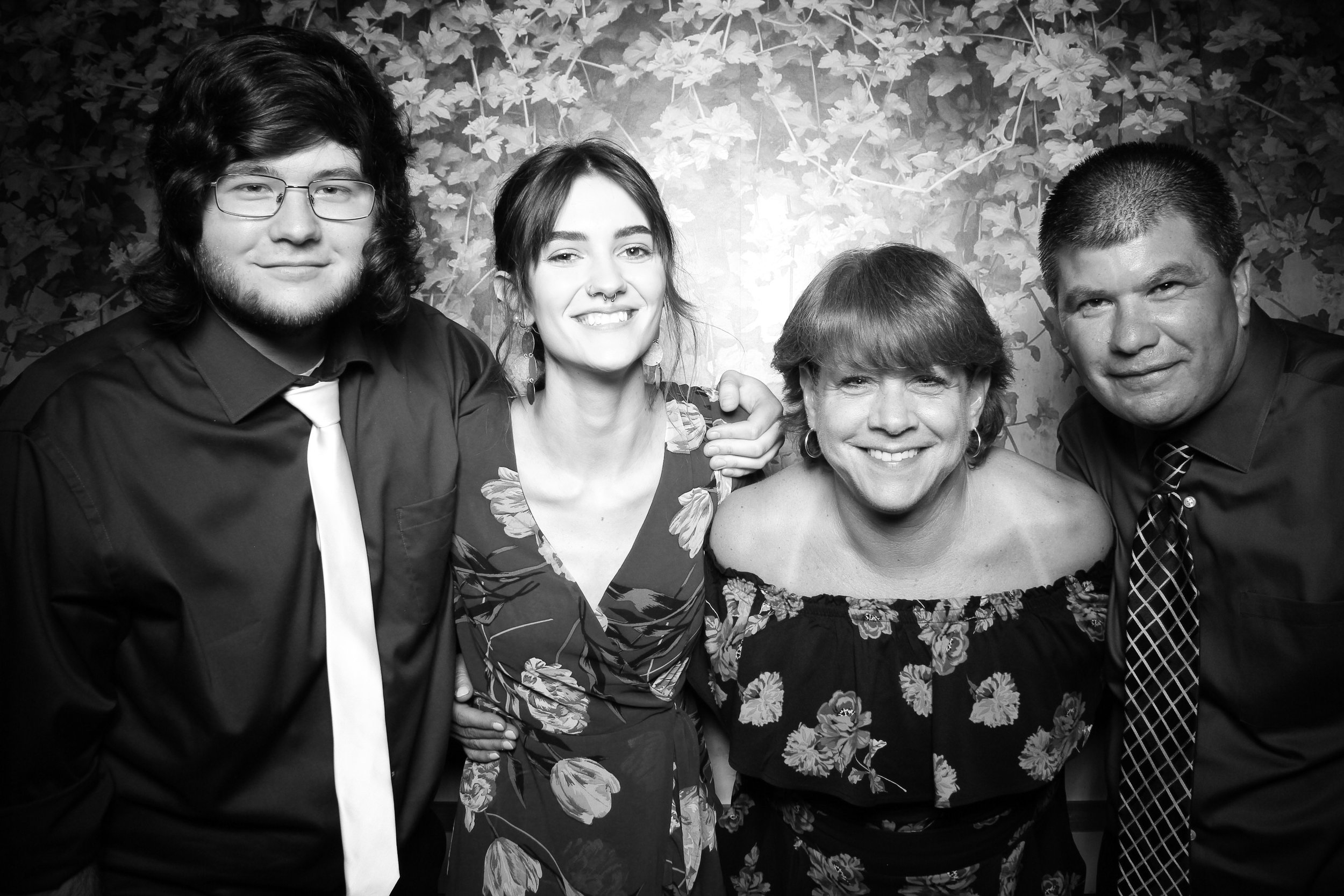 Randall_Oaks_Country_Club_Wedding_West_Dundee_Photo_Booth_12.jpg