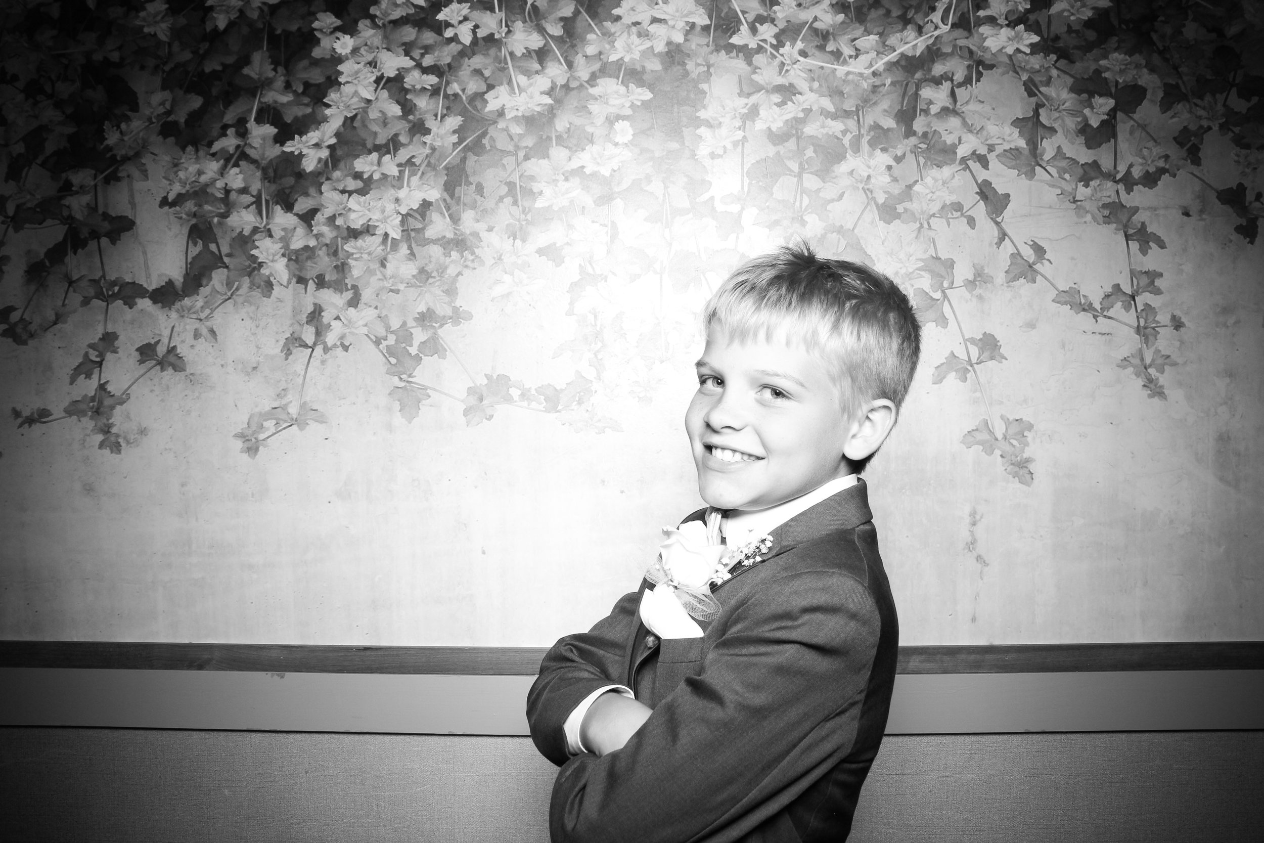Randall_Oaks_Country_Club_Wedding_West_Dundee_Photo_Booth_13.jpg