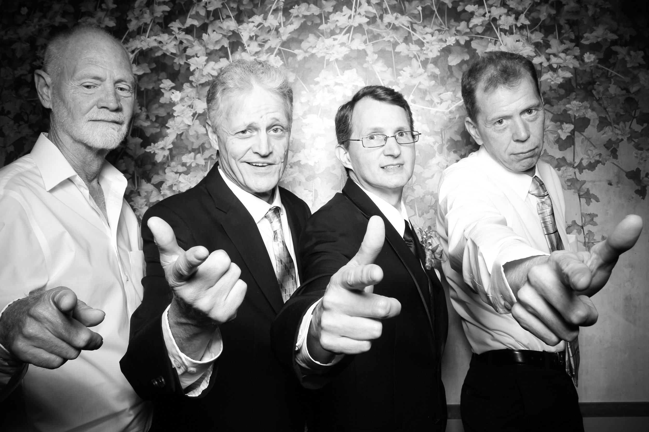 Randall_Oaks_Country_Club_Wedding_West_Dundee_Photo_Booth_14.jpg