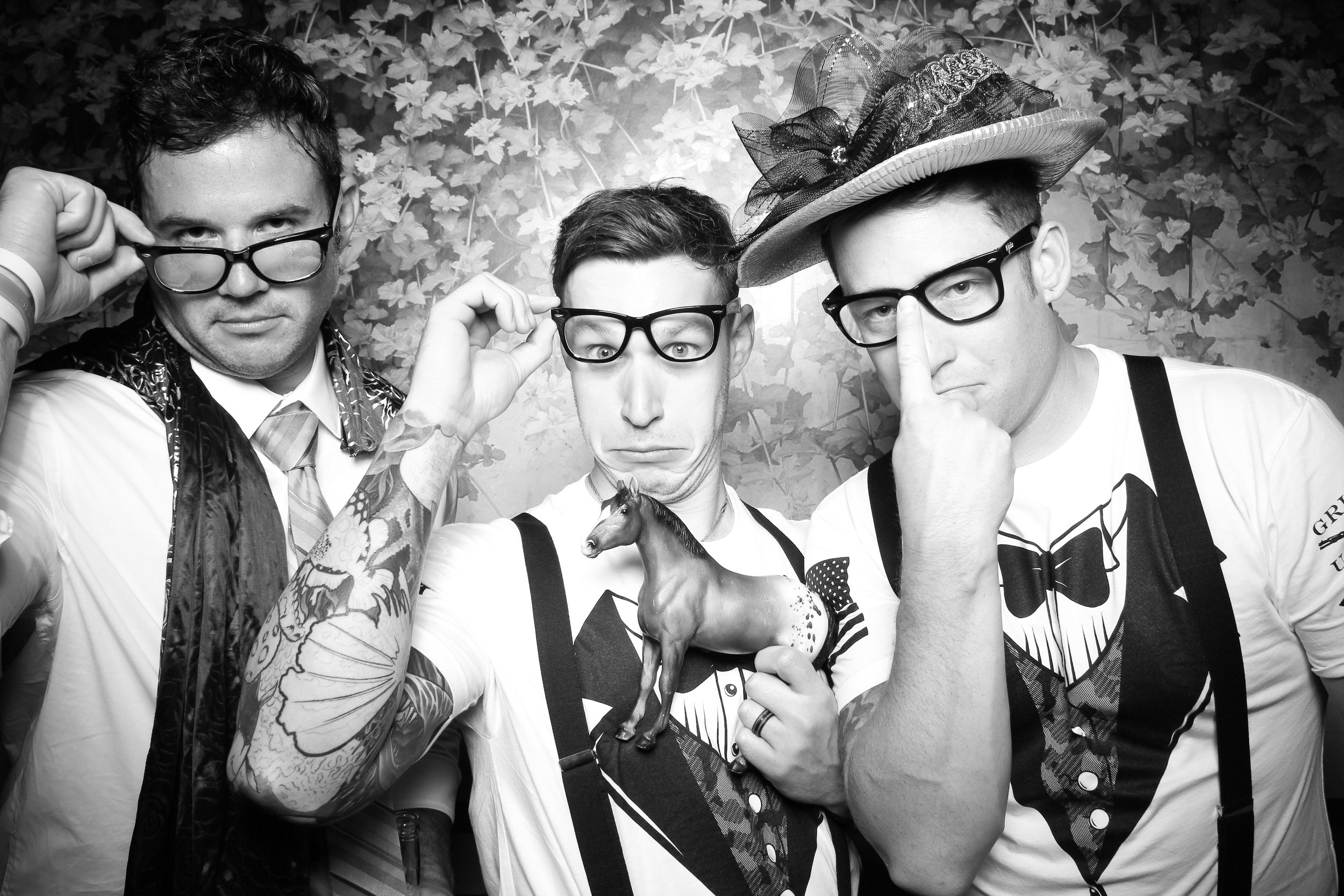 Randall_Oaks_Country_Club_Wedding_West_Dundee_Photo_Booth_15.jpg