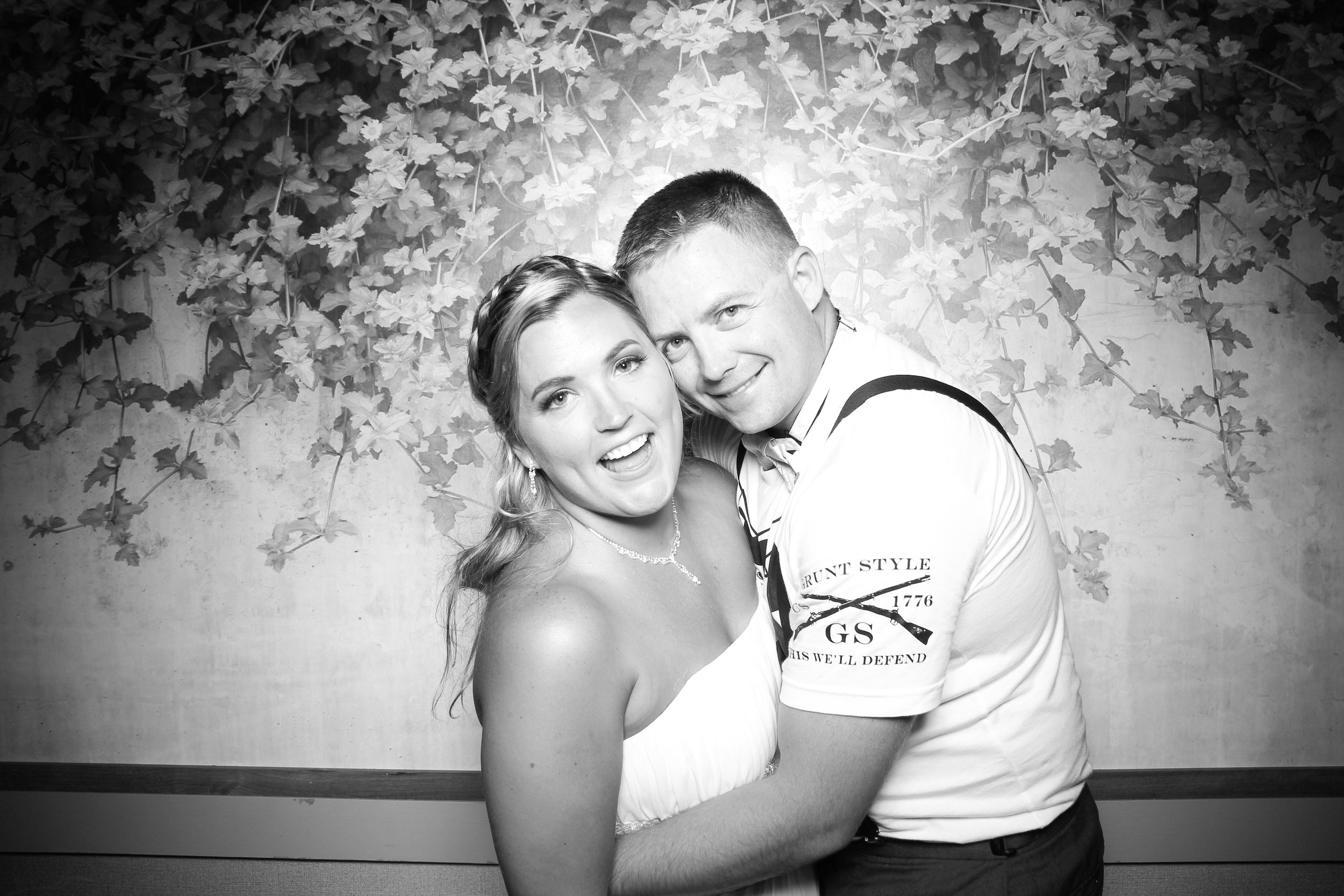 Randall_Oaks_Country_Club_Wedding_West_Dundee_Photo_Booth_20.jpg
