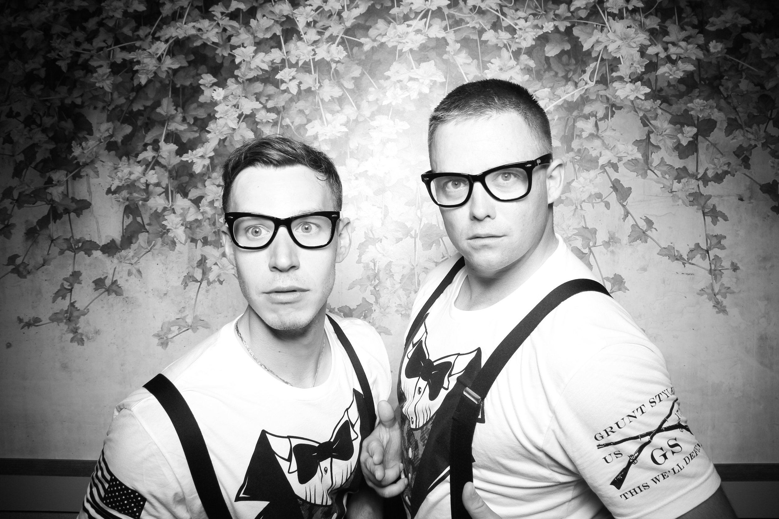 Randall_Oaks_Country_Club_Wedding_West_Dundee_Photo_Booth_27.jpg