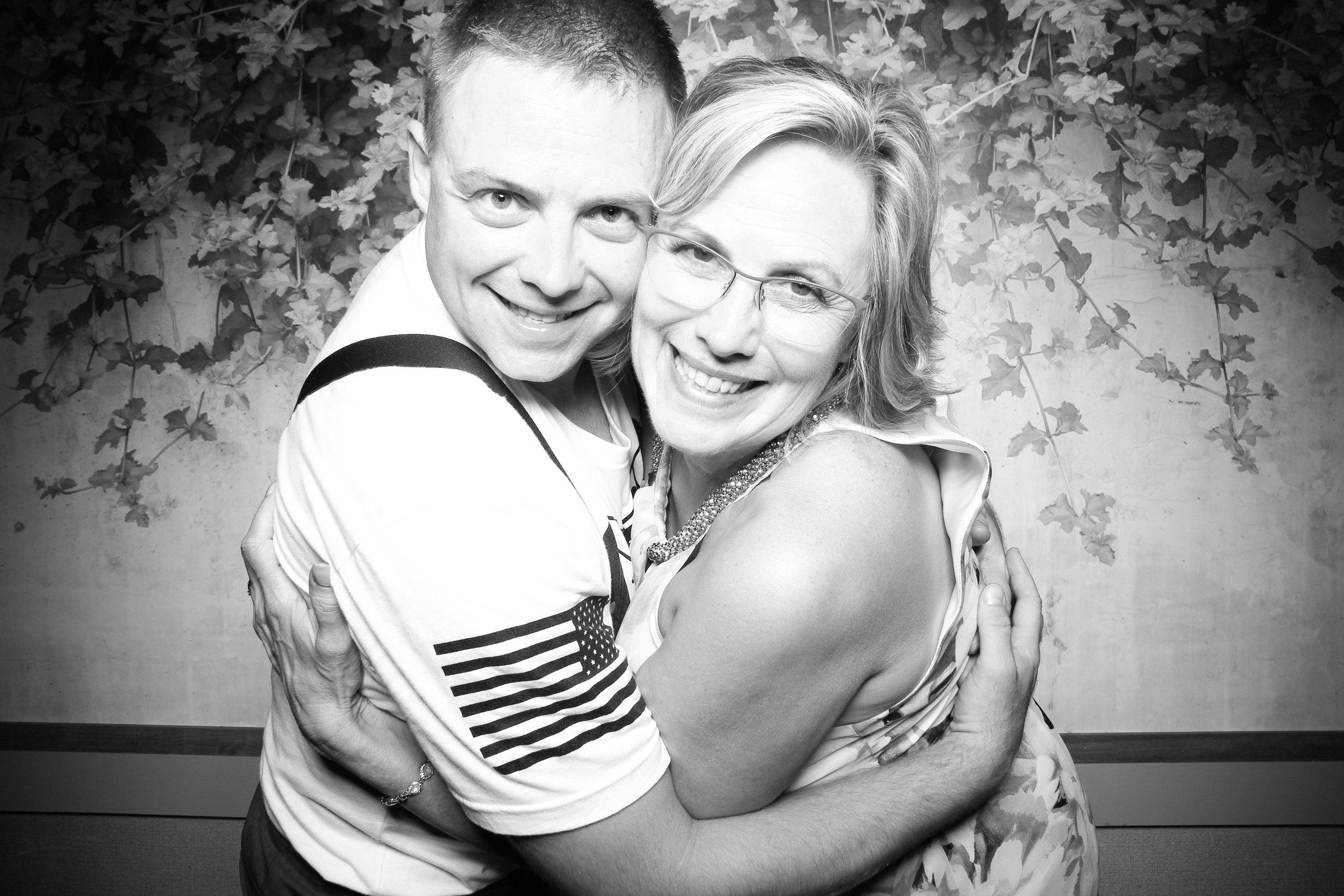 Randall_Oaks_Country_Club_Wedding_West_Dundee_Photo_Booth_28.jpg