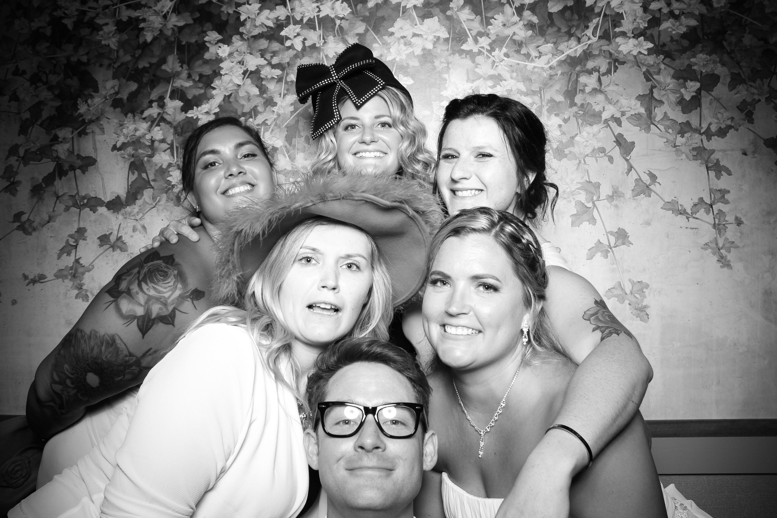 Randall_Oaks_Country_Club_Wedding_West_Dundee_Photo_Booth_29.jpg