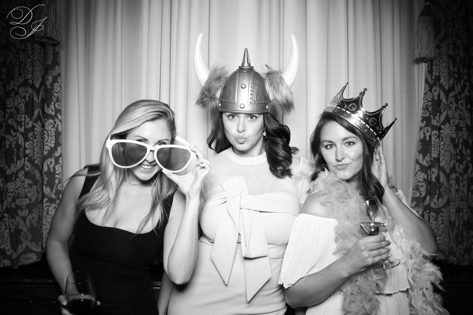 Chicago_Vintage_Wedding_Photobooth_Union_League_Club_02.jpg