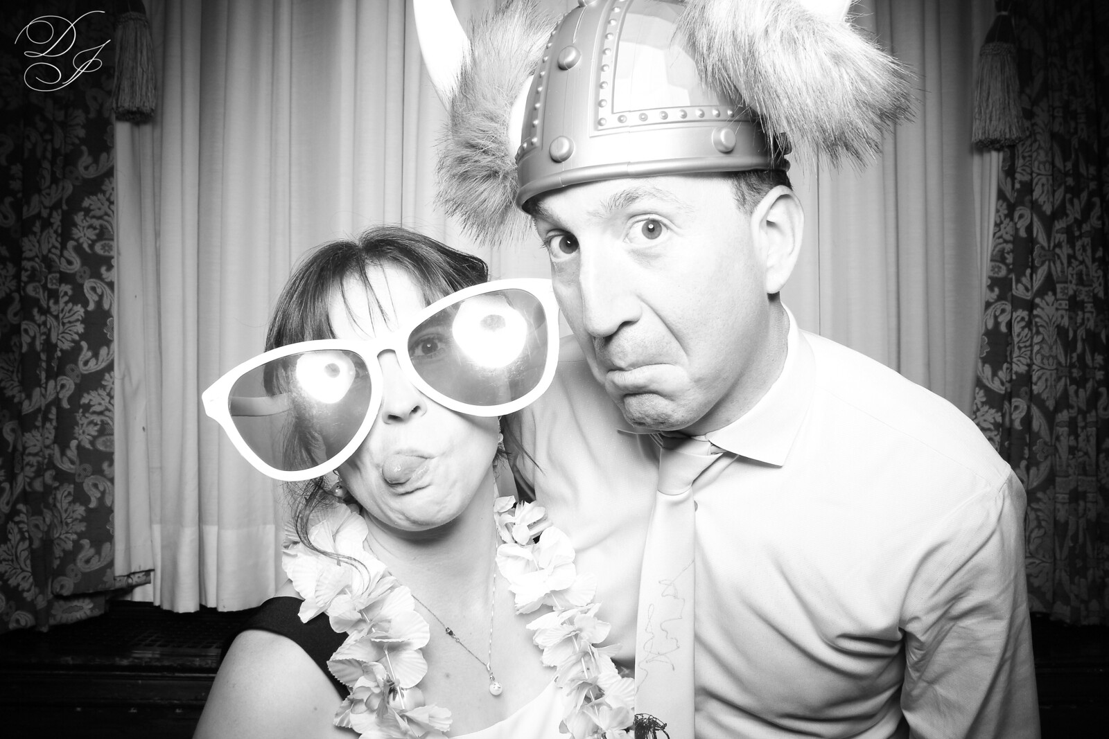 Chicago_Vintage_Wedding_Photobooth_Union_League_Club_01.jpg