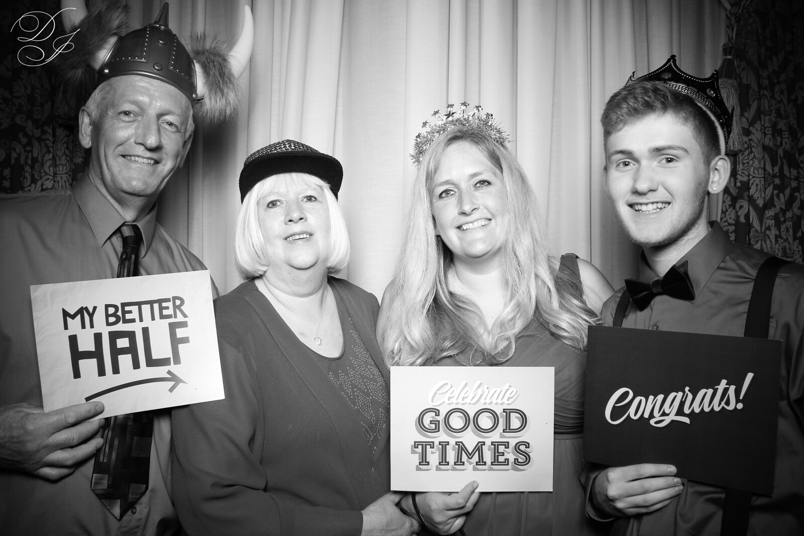 Chicago_Vintage_Wedding_Photobooth_Union_League_Club_11.jpg