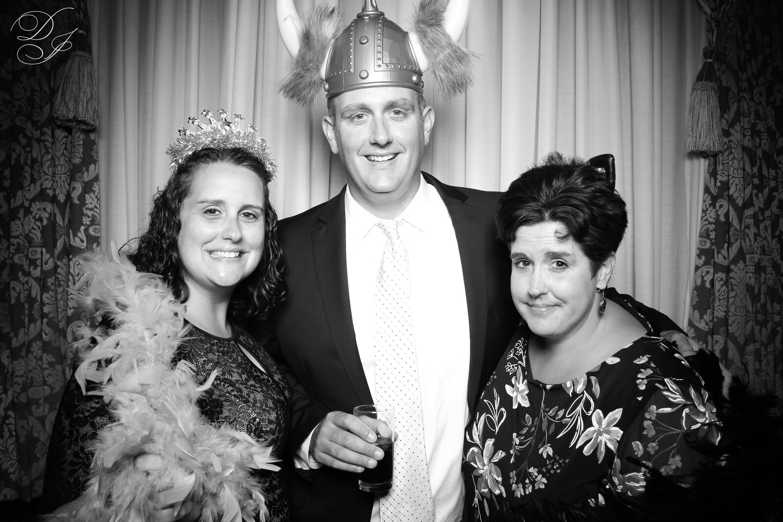 Chicago_Vintage_Wedding_Photobooth_Union_League_Club_13.jpg