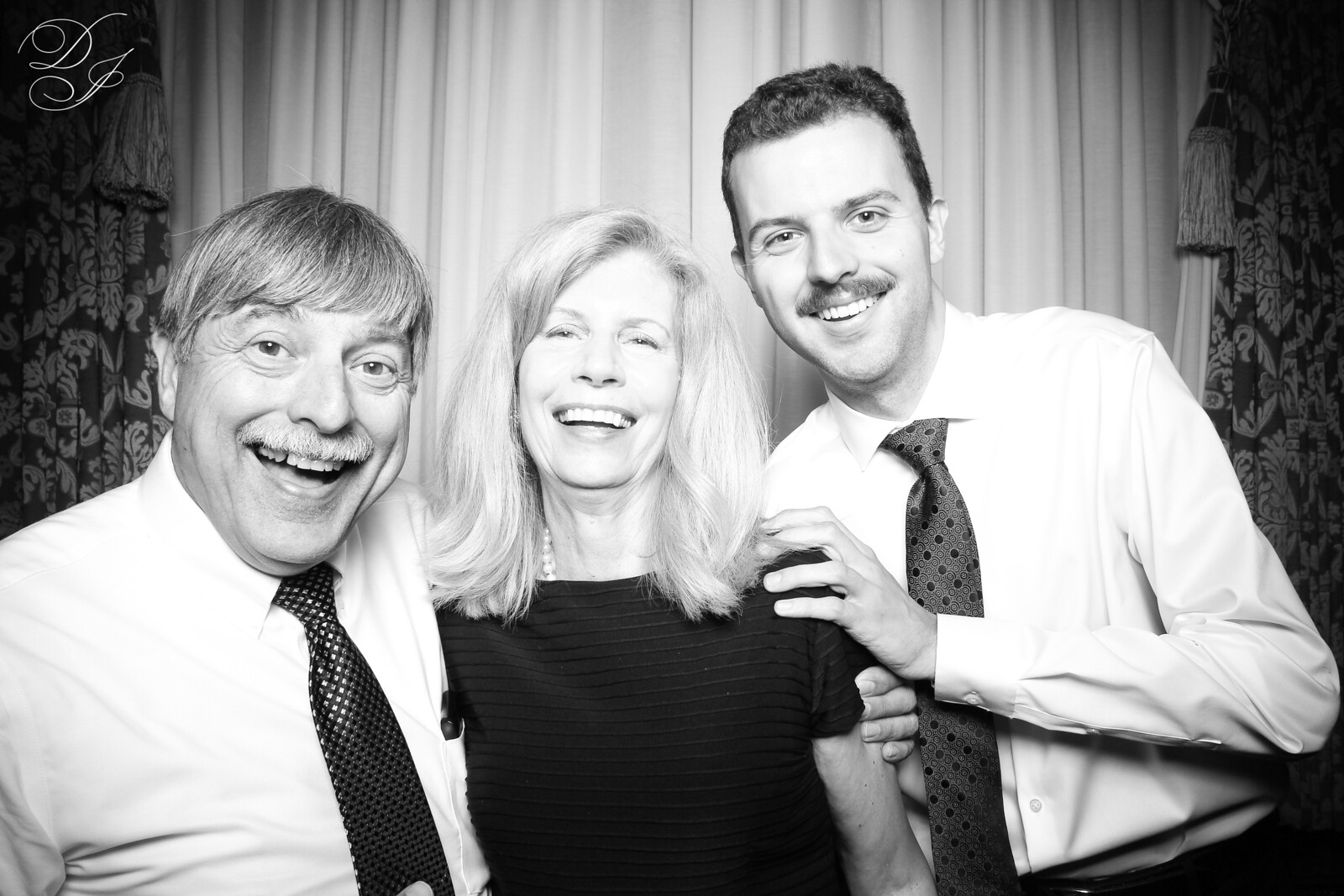 Chicago_Vintage_Wedding_Photobooth_Union_League_Club_26.jpg