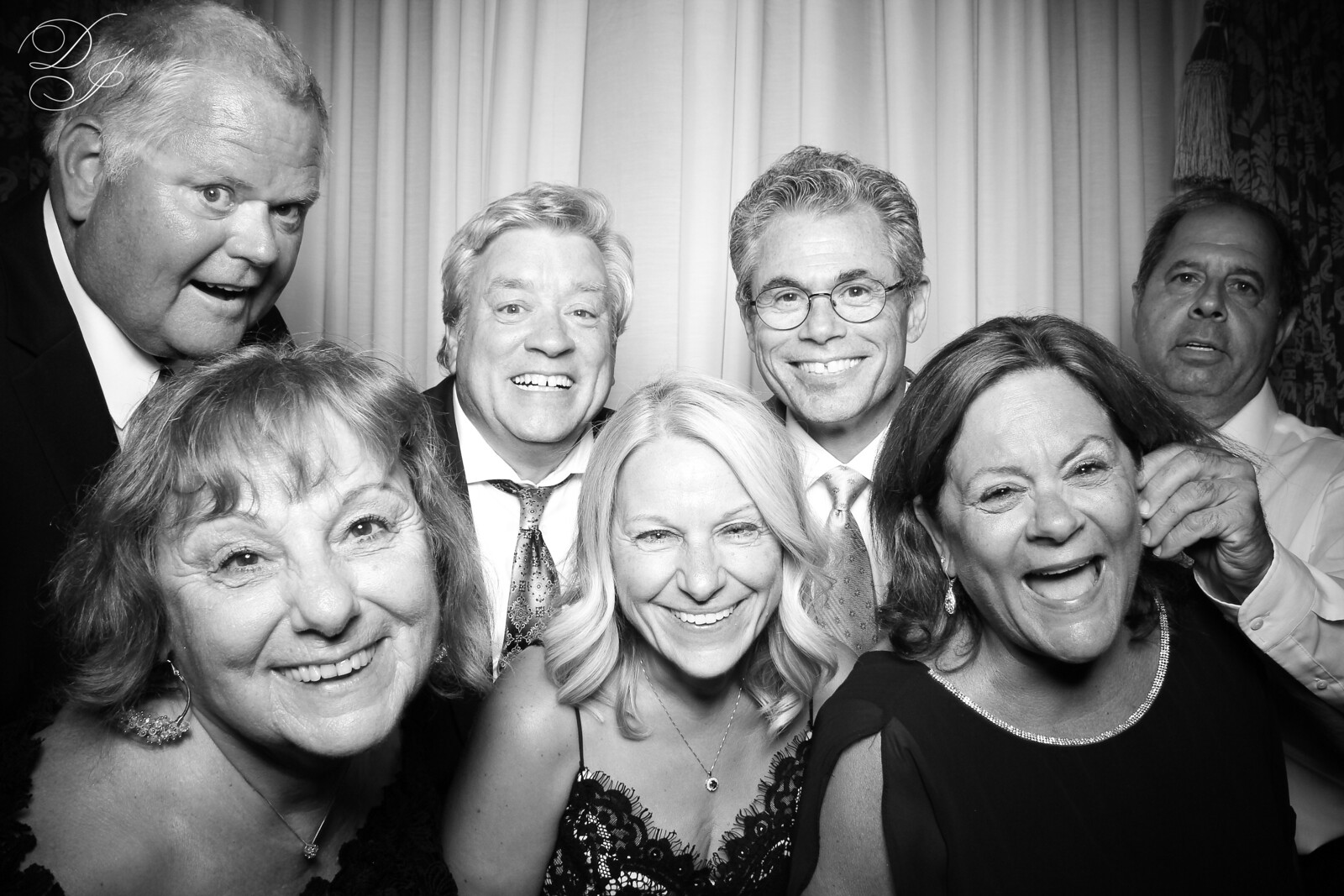 Chicago_Vintage_Wedding_Photobooth_Union_League_Club_30.jpg
