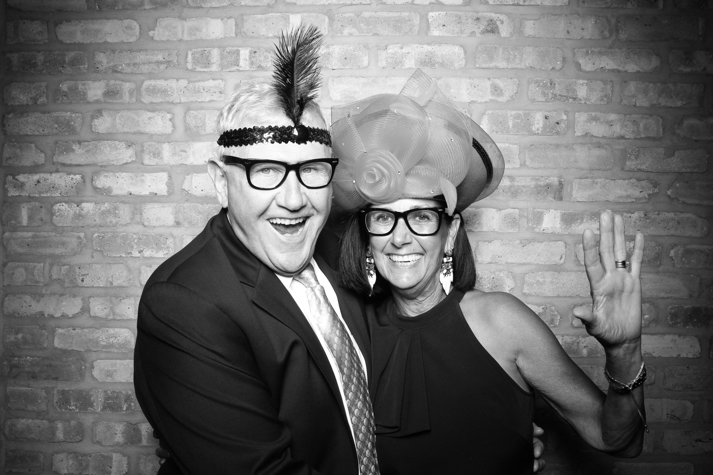 Chicago_Vintage_Wedding_Photobooth_Rockwell_on_the_River_04.jpg
