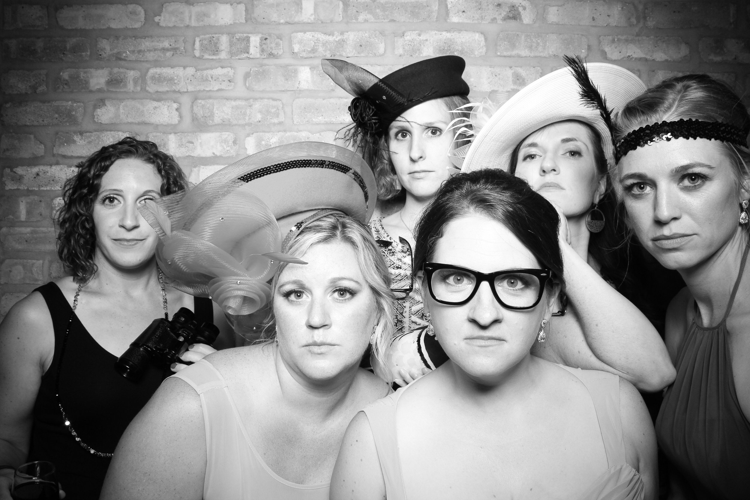 Chicago_Vintage_Wedding_Photobooth_Rockwell_on_the_River_06.jpg