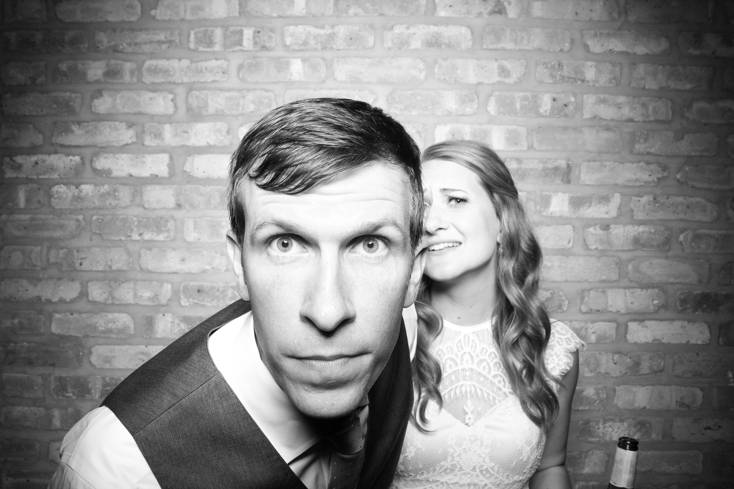 Chicago_Vintage_Wedding_Photobooth_Rockwell_on_the_River_12.jpg